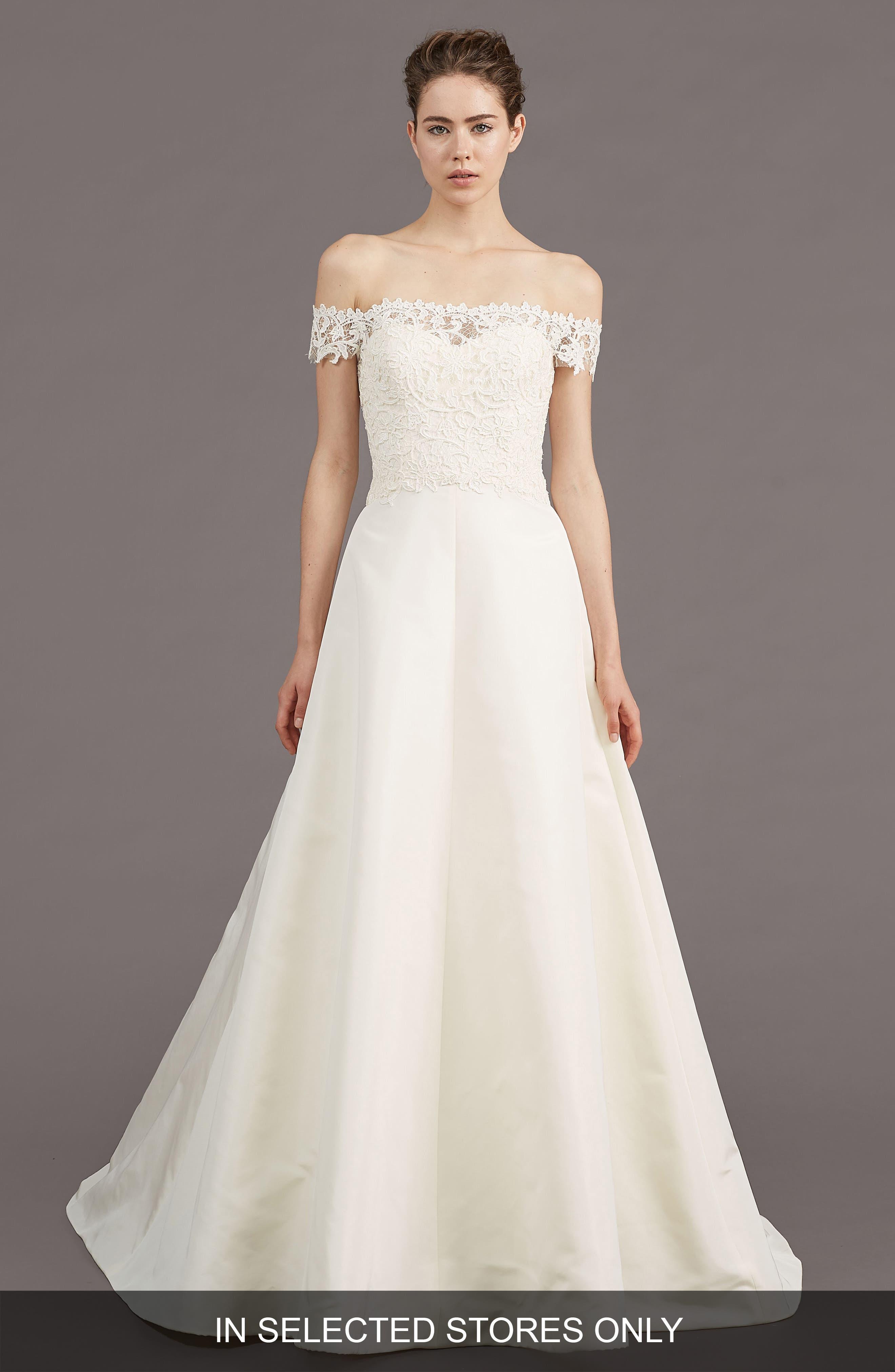 AMSALE Tilden Lace & Silk Blend Gown in Ivory