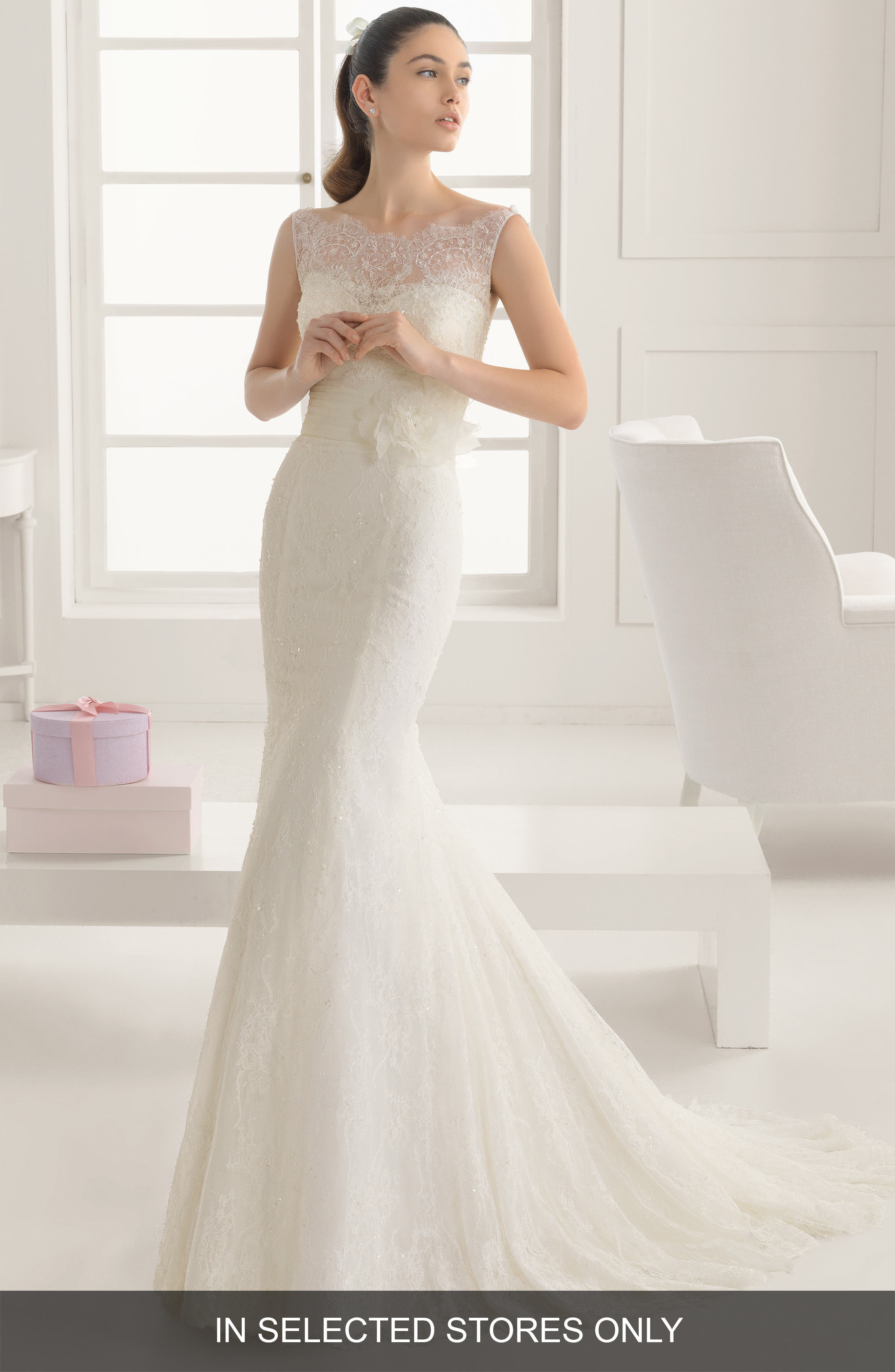 Main Image - Rosa Clara Evelyn Floral Detail Lace & Tulle Sleeveless Trumpet Dress