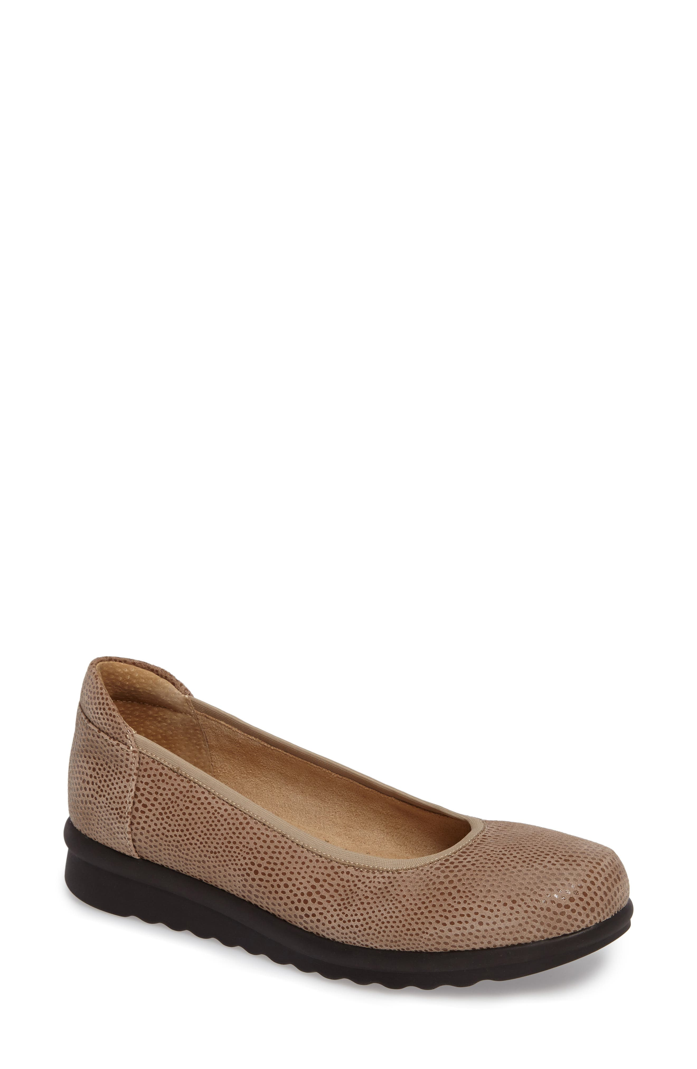 Donia Flat,                         Main,                         color, Taupe Print Fabric
