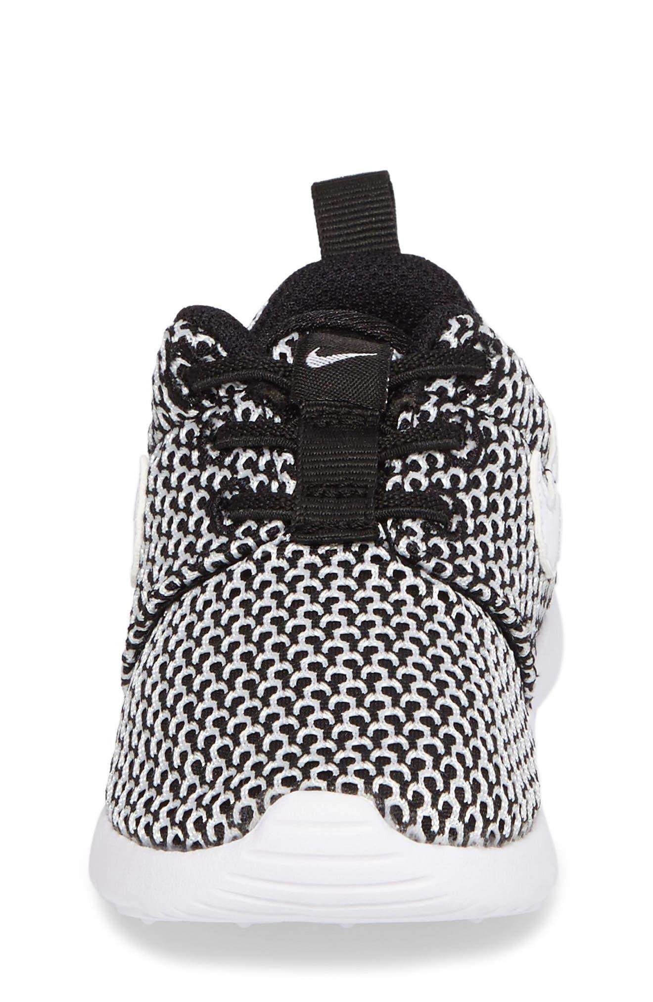 Alternate Image 4  - Nike 'Roshe Run' Sneaker (Baby, Walker & Toddler)