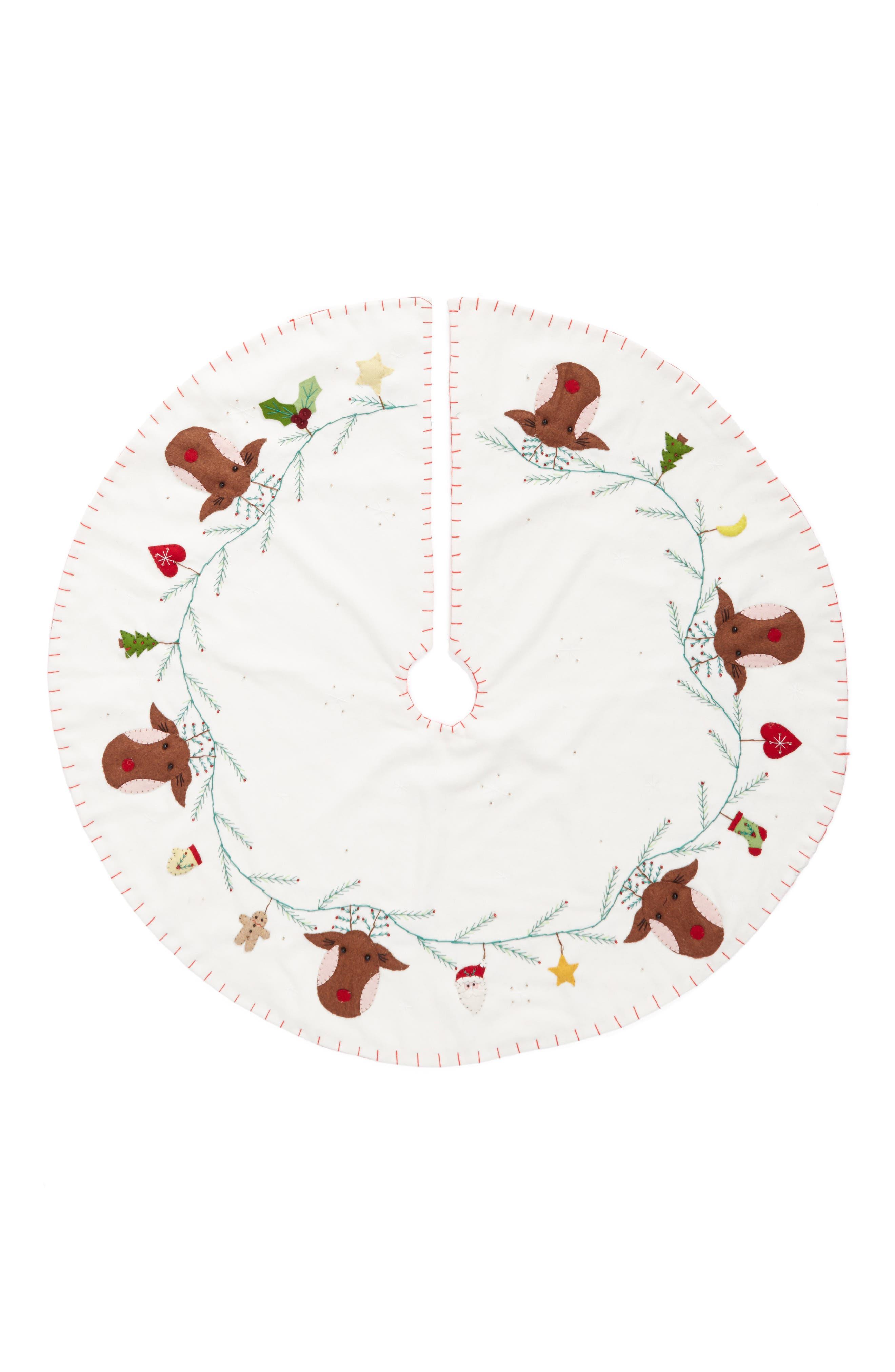 New World Arts Reindeer Tree Skirt