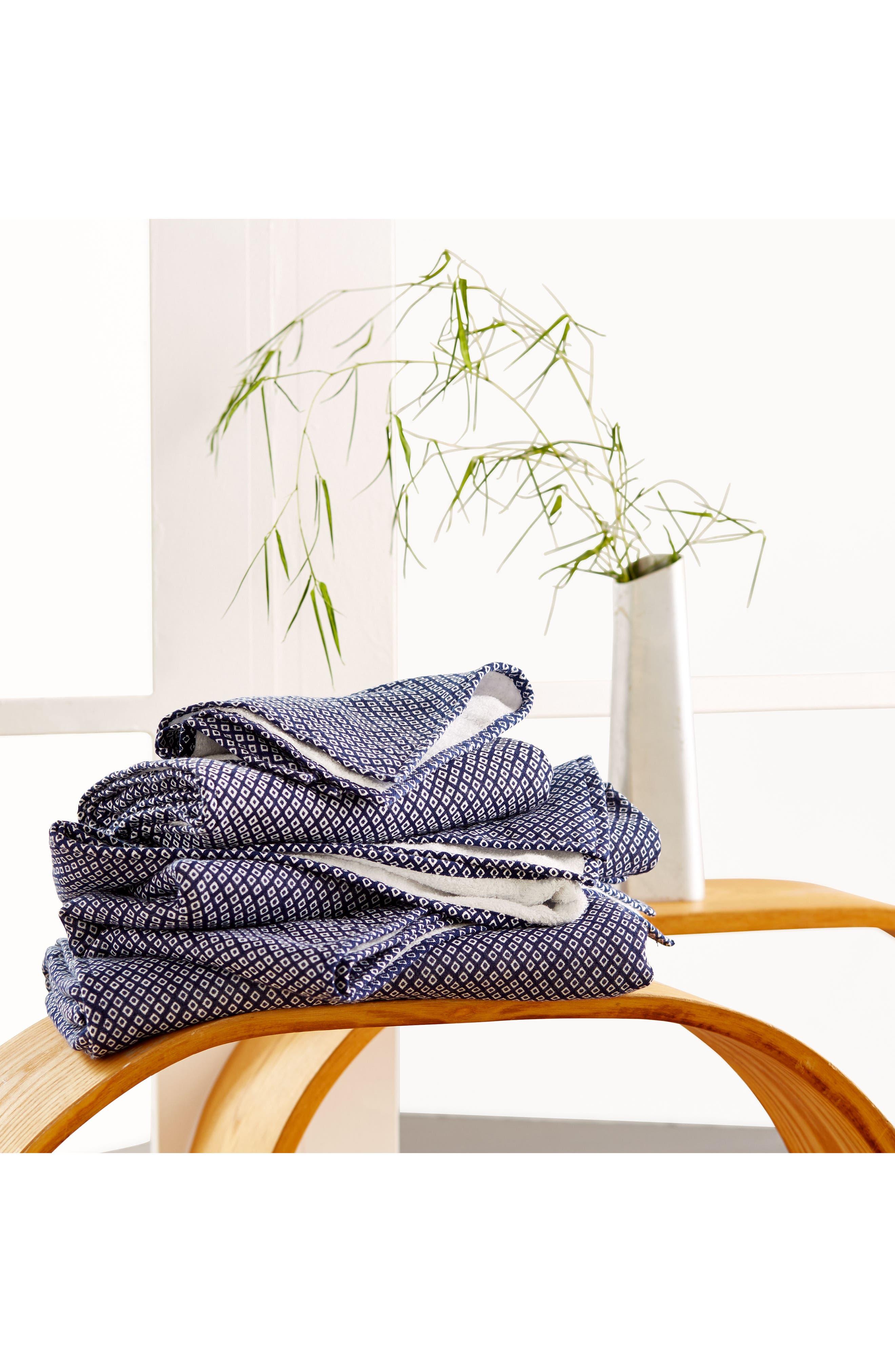 Alternate Image 2  - Uchino Zero Twist Print Hand & Hair Towel