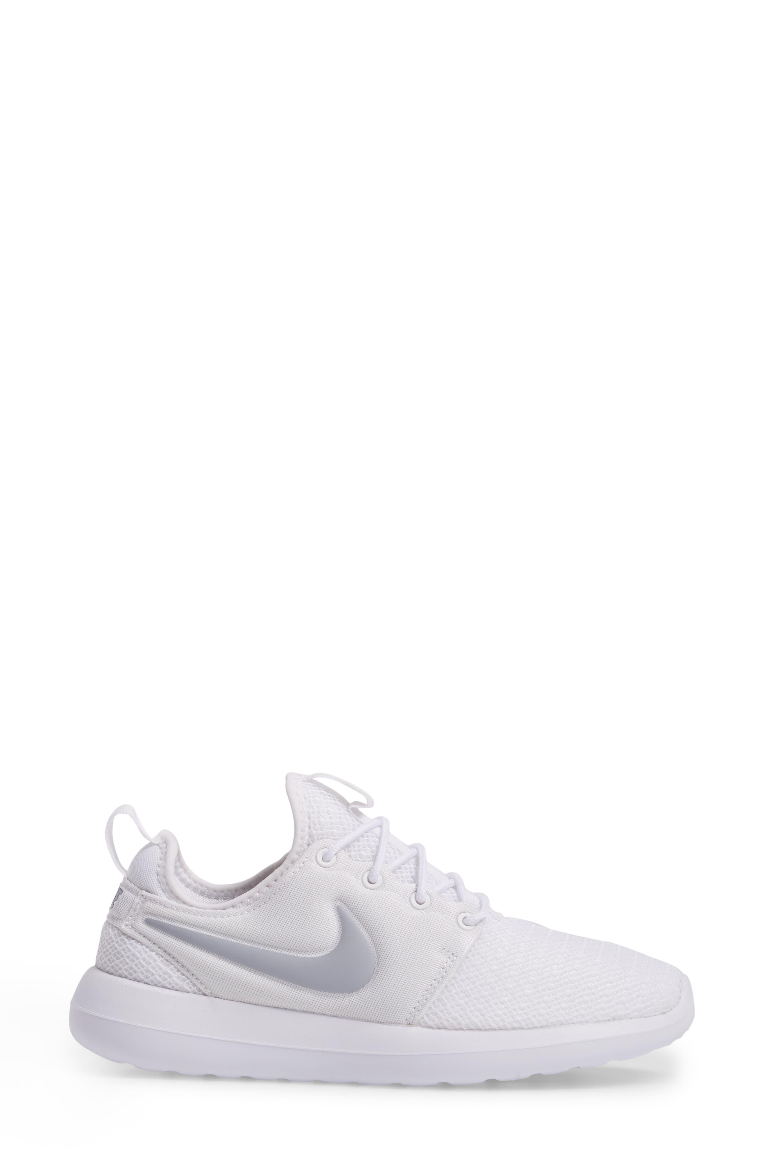 Alternate Image 3  - Nike Roshe Two Sneaker (Women)
