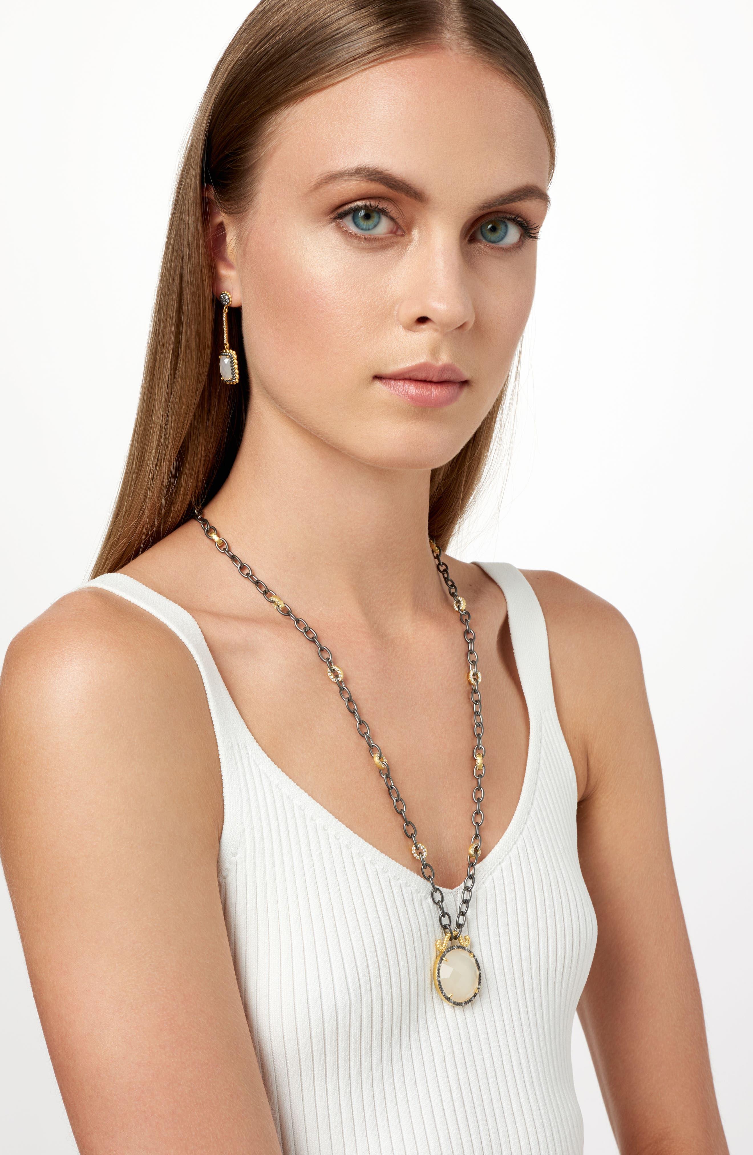 Gilded Cable Reversible Pendant Necklace,                             Alternate thumbnail 5, color,                             Black/ Gold