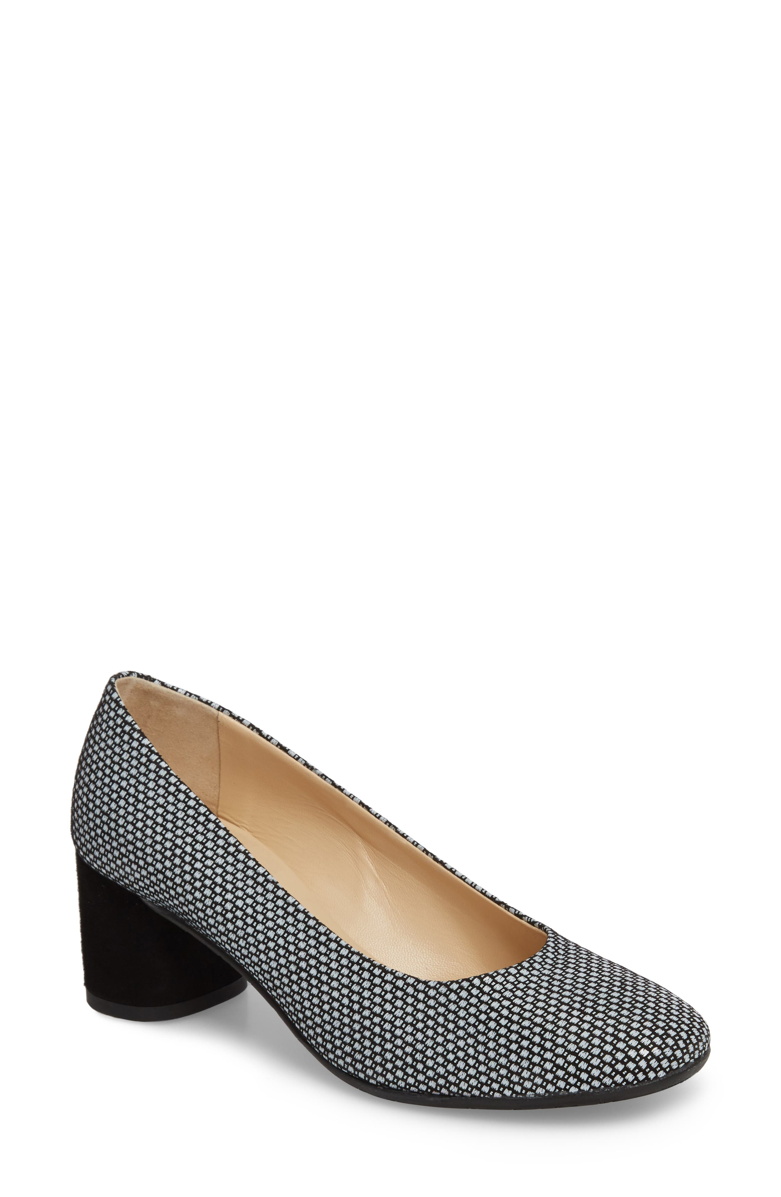 b577080670 Amalfi By Rangoni Rosso Pump In Black  White Leather