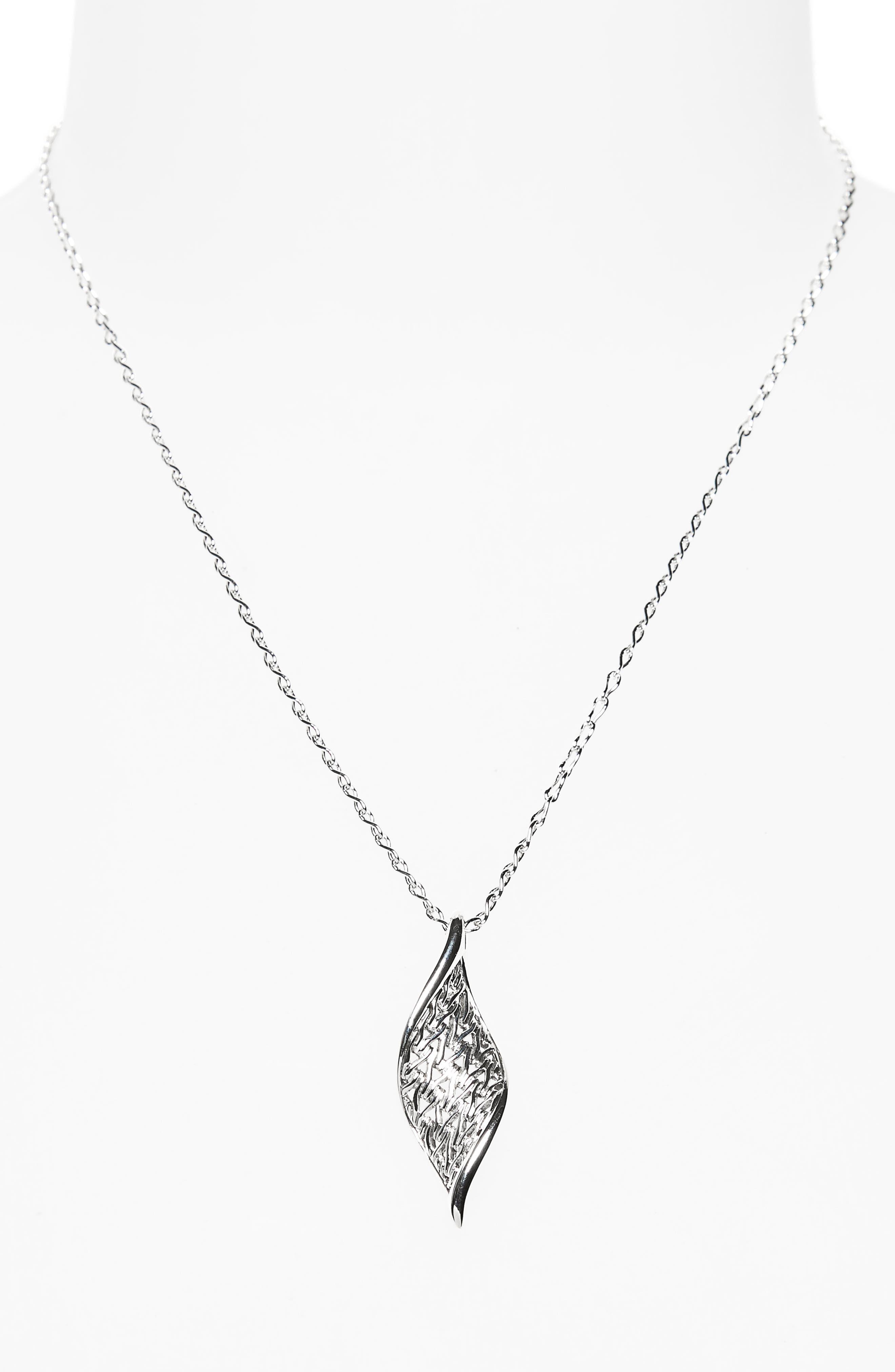 Classic Chain Wave Pendant Necklace,                             Alternate thumbnail 2, color,                             Silver