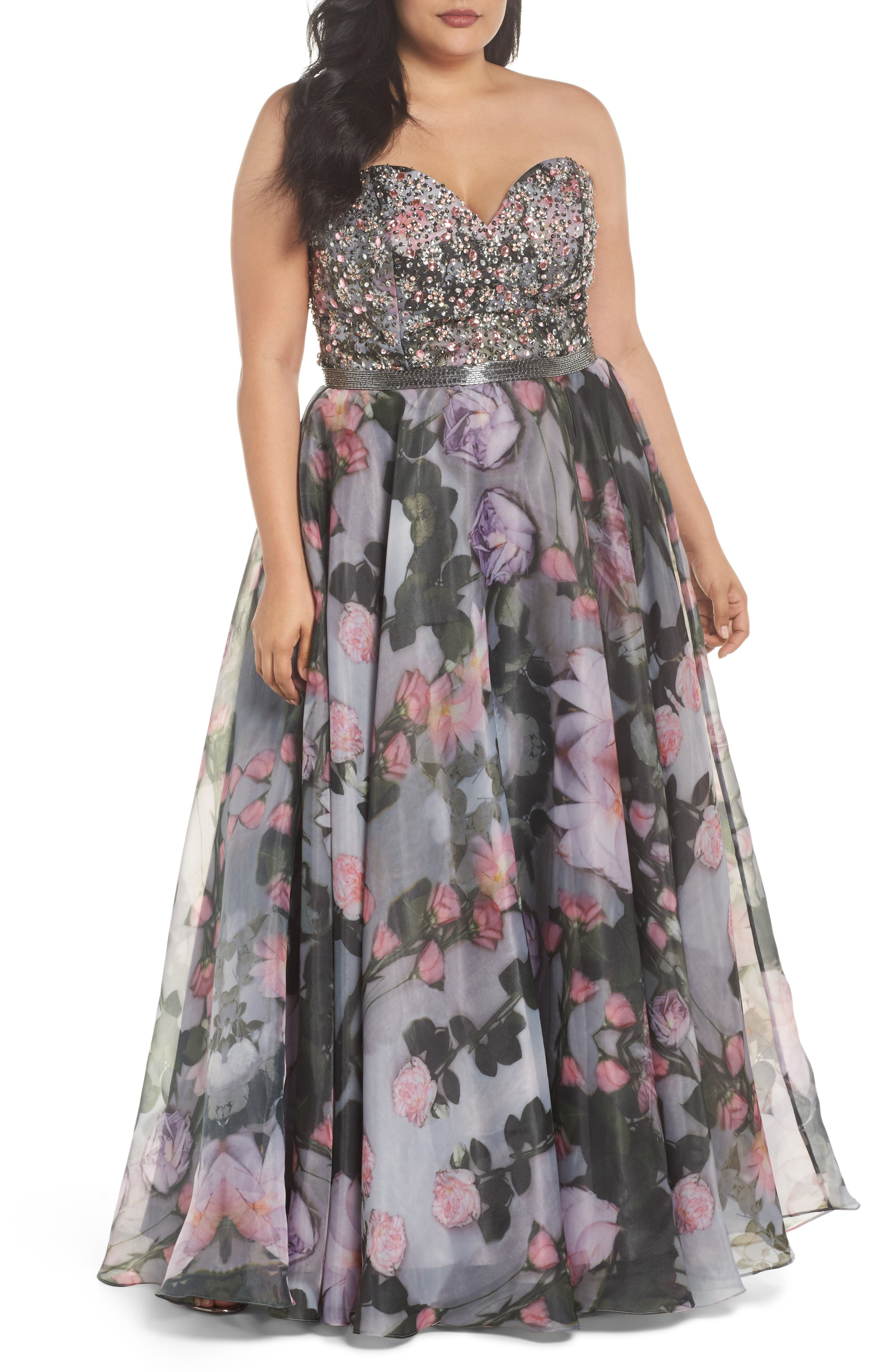 Main Image - Mac Duggal Embellished Flora Strapless Sweetheart Gown (Plus Size)