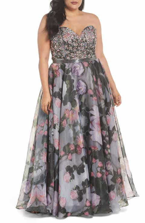 Mac Duggal Embellished Flora Strapless Sweetheart Gown (Plus Size)
