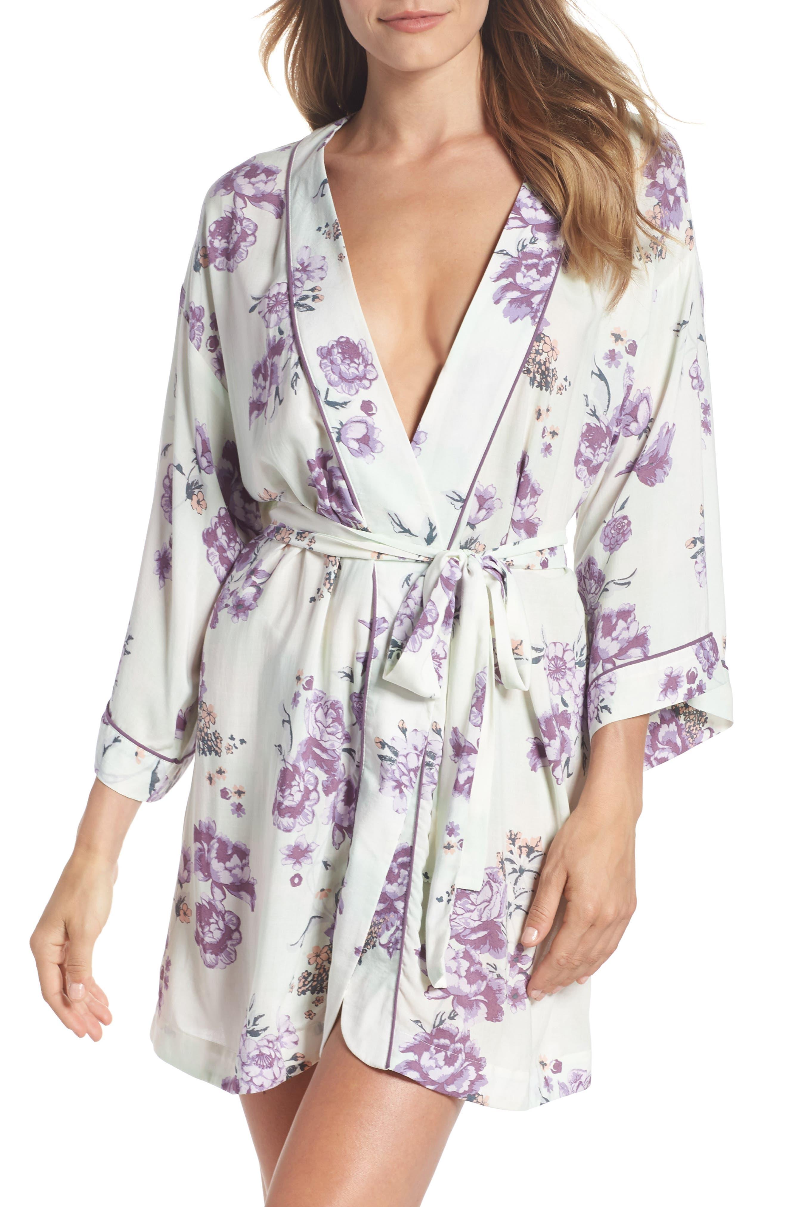 Main Image - Nordstrom Lingerie Sweet Dreams Short Robe