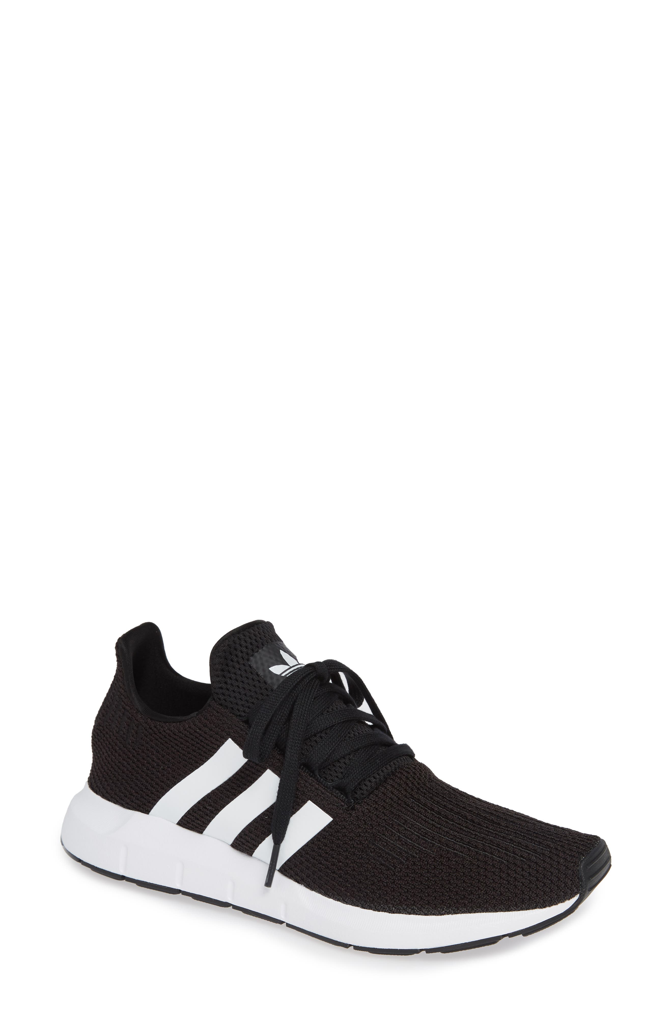 adidas Performance ATHLETICS 24/7 TR - Sports shoes - maroon/night red/chalk coral YODs6