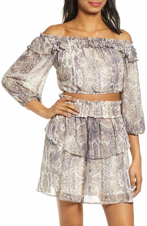 9718636aa9be2b 4SI3NNA Snakeskin Print Off the Shoulder Crop Top
