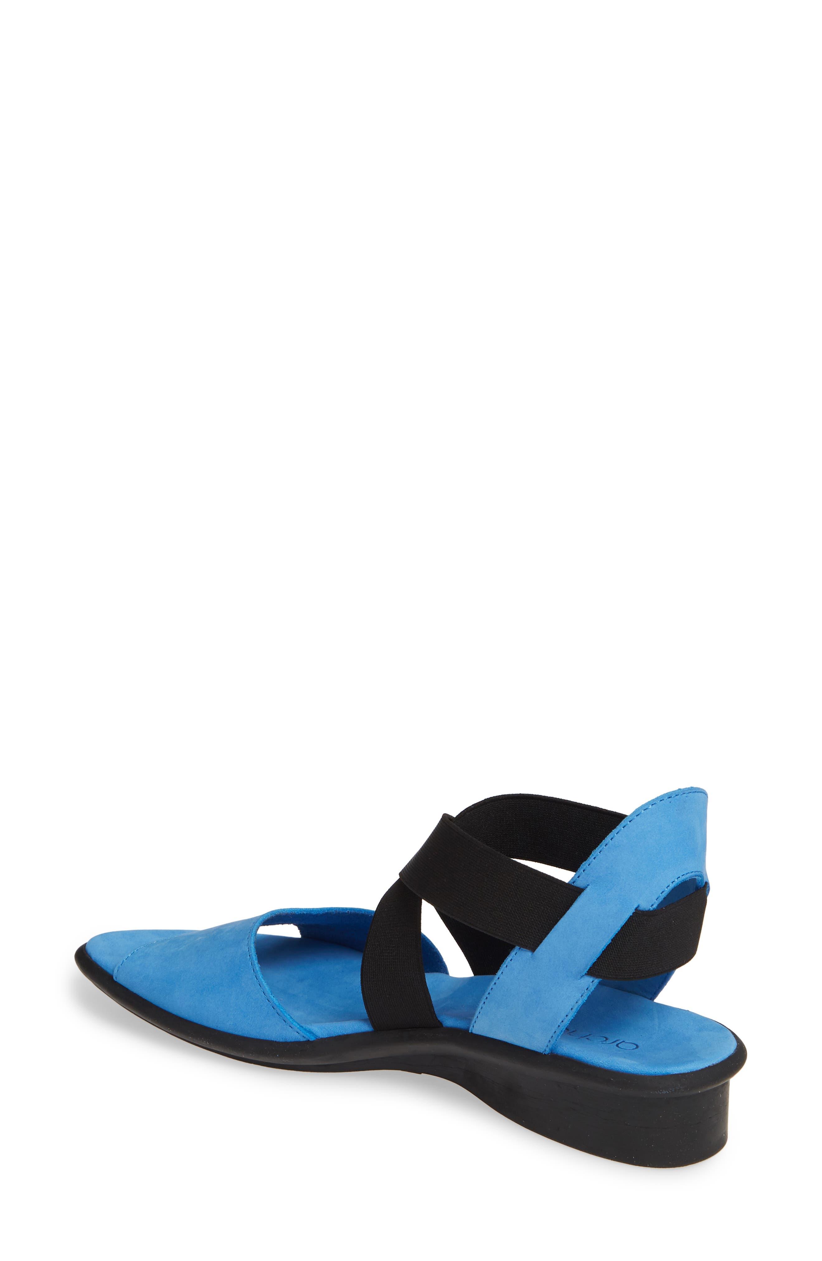 b42271399532 Arche Shoes