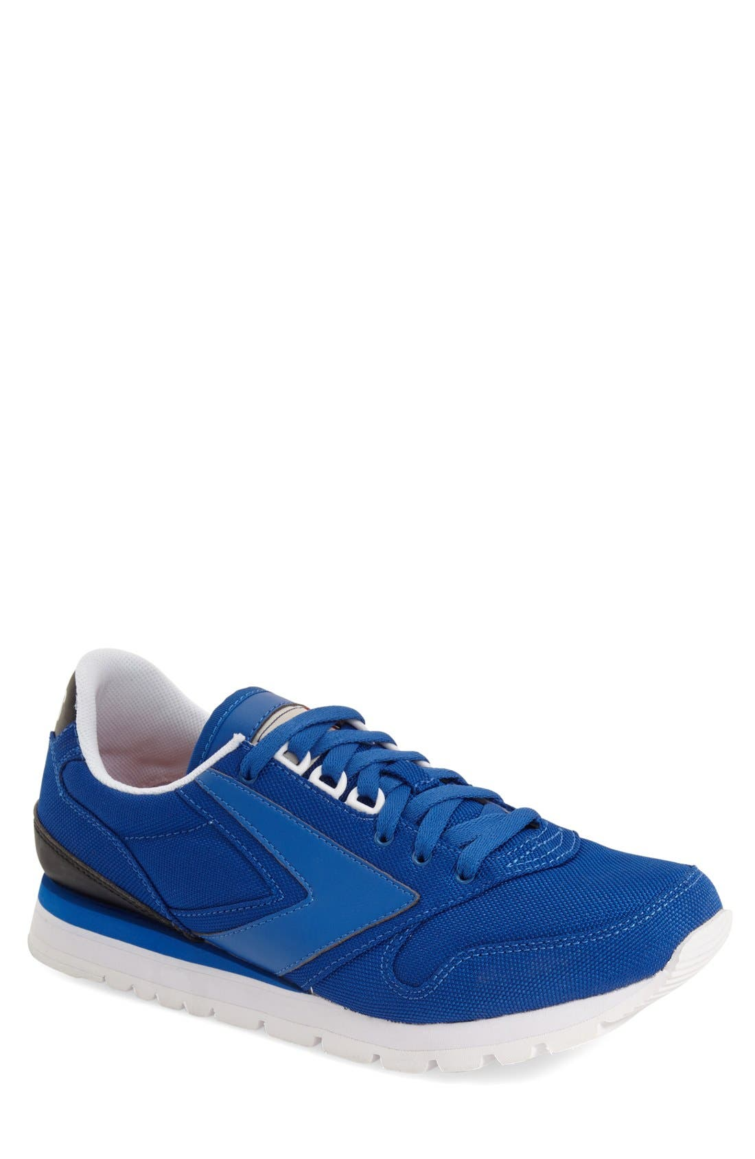 Brooks 'Chariot' Sneaker (Men)