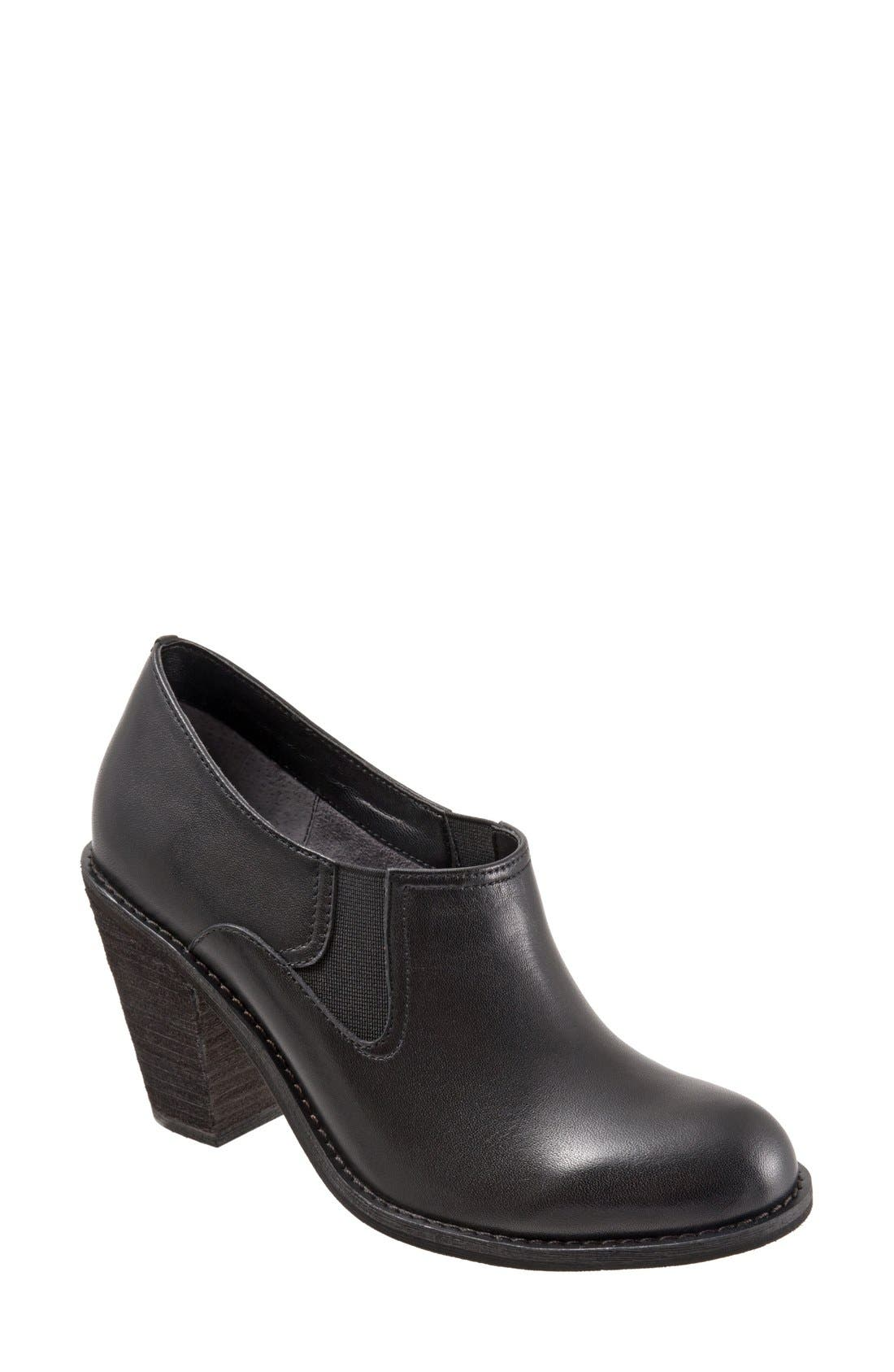 SoftWalk® 'Fargo' Bootie (Women)