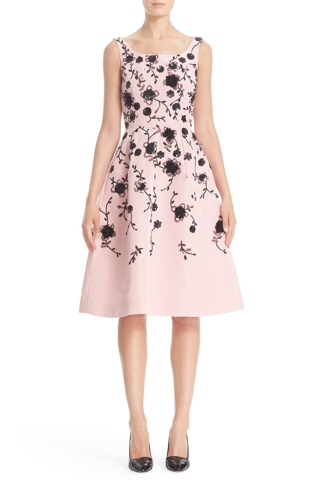 Main Image - Oscar de la Renta Floral Embroidered Silk Cocktail Dress