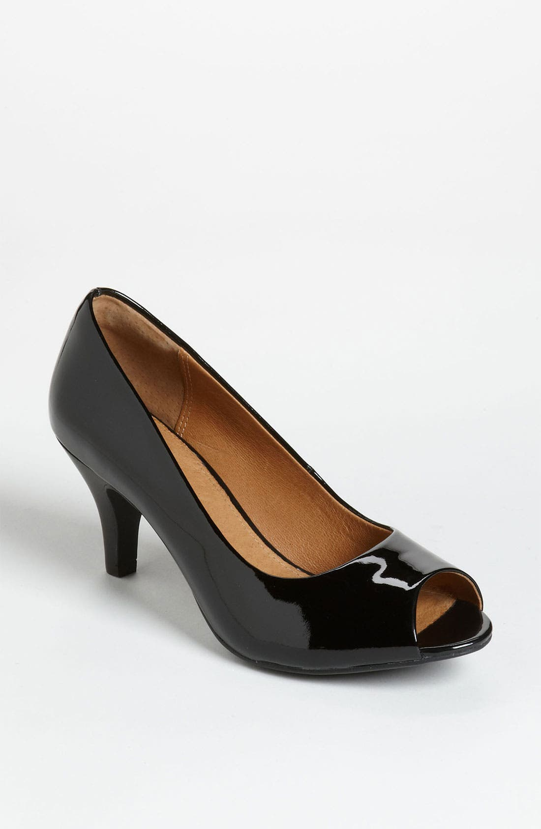 Alternate Image 1 Selected - Clarks® 'Cynthia Avant' Pump (Online Only)