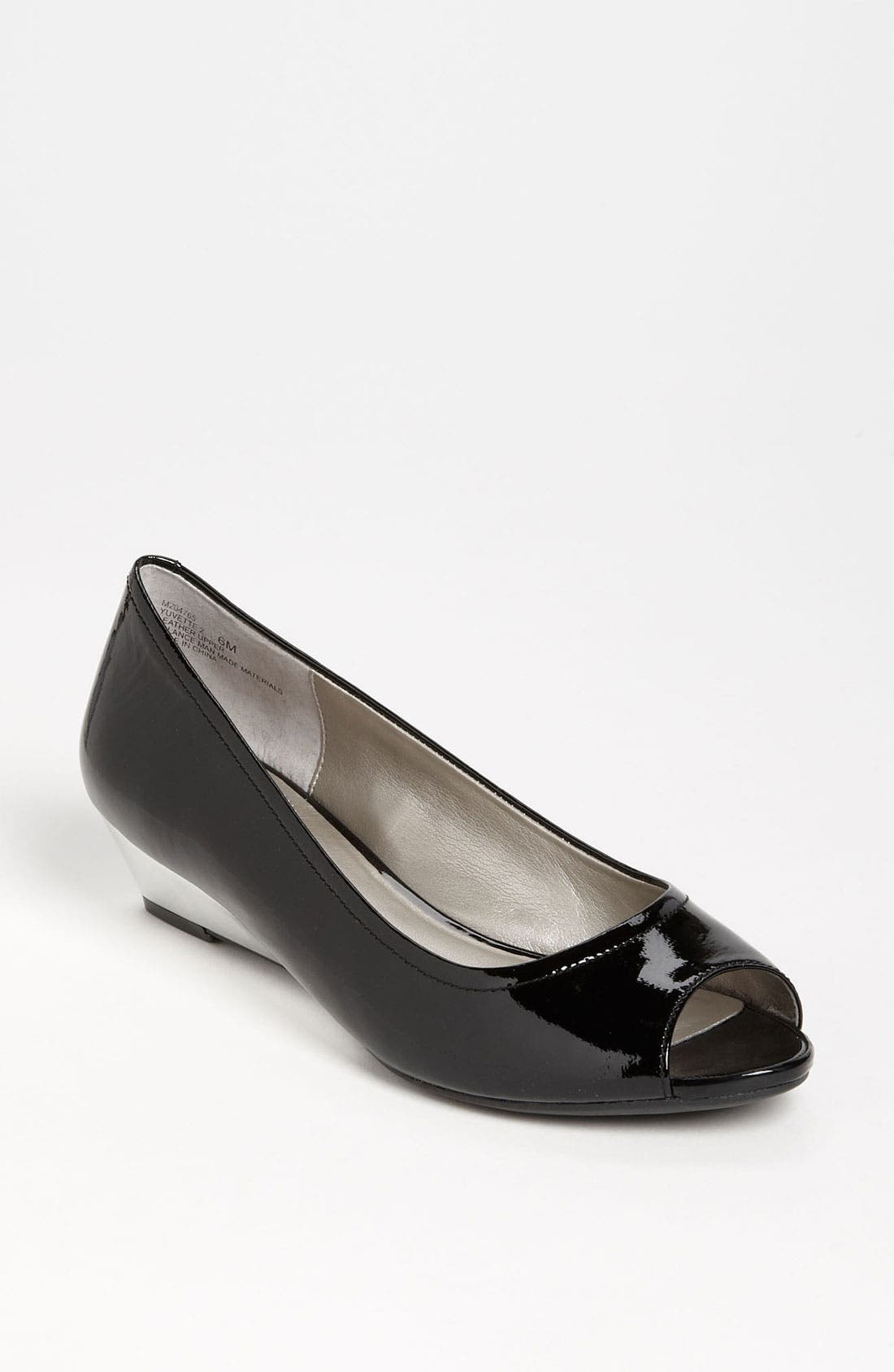'Yuvette' Pump,                             Main thumbnail 1, color,                             Black