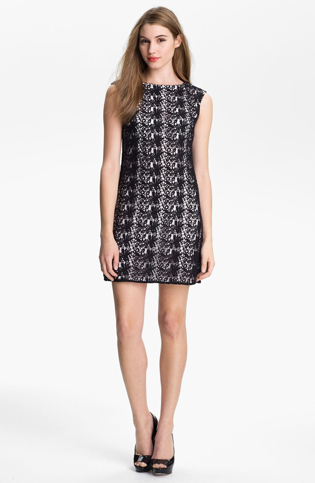 Main Image - Vince Camuto Paisley Lace Shift Dress