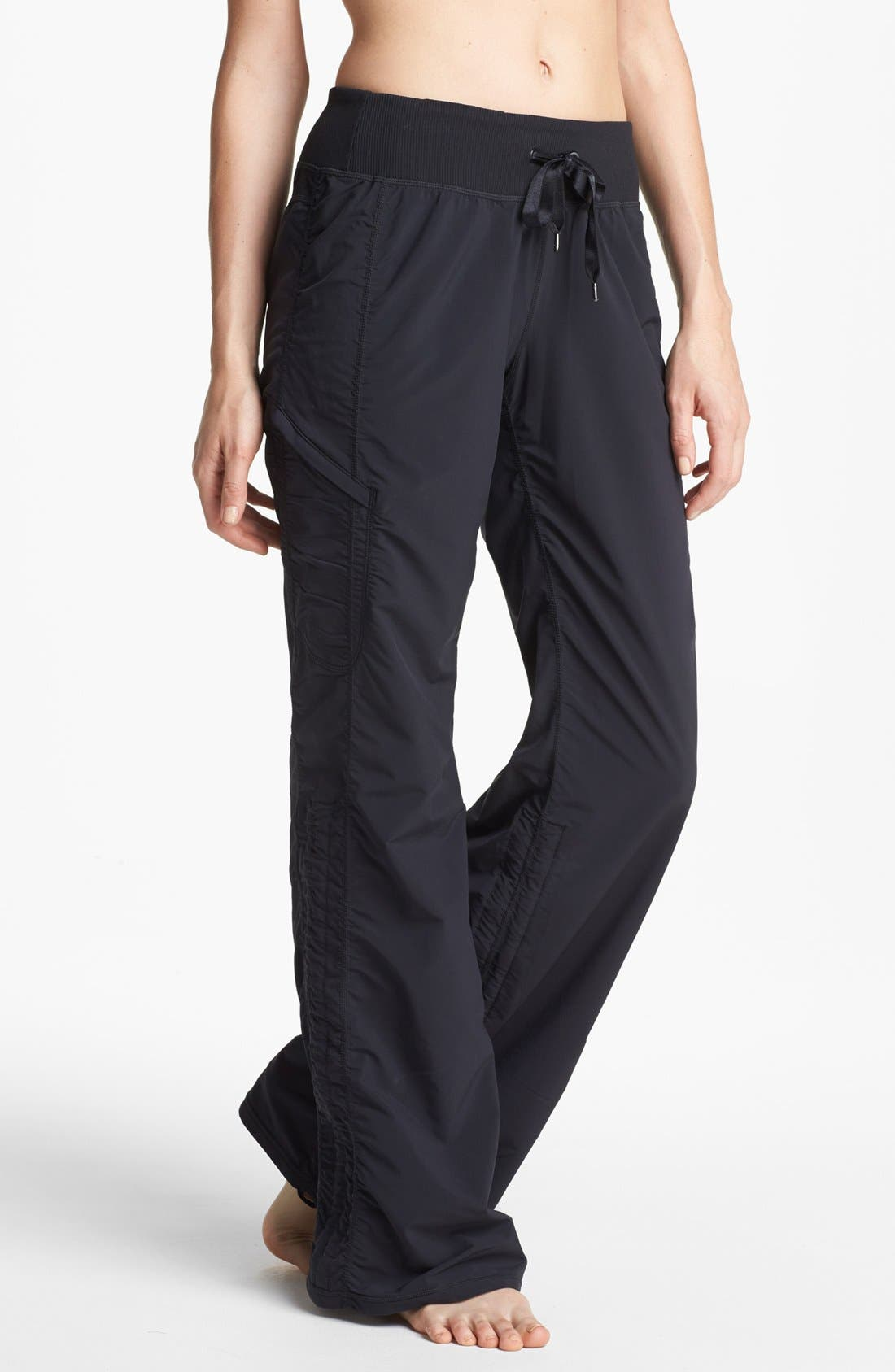 Alternate Image 1 Selected - Zella 'Move' Pants