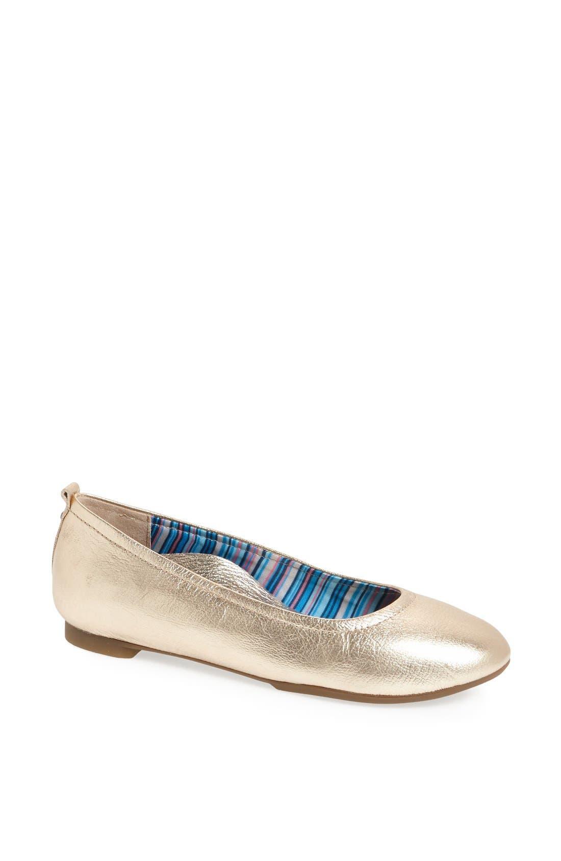 Alternate Image 1 Selected - Aetrex 'Erica' Ballet Flat