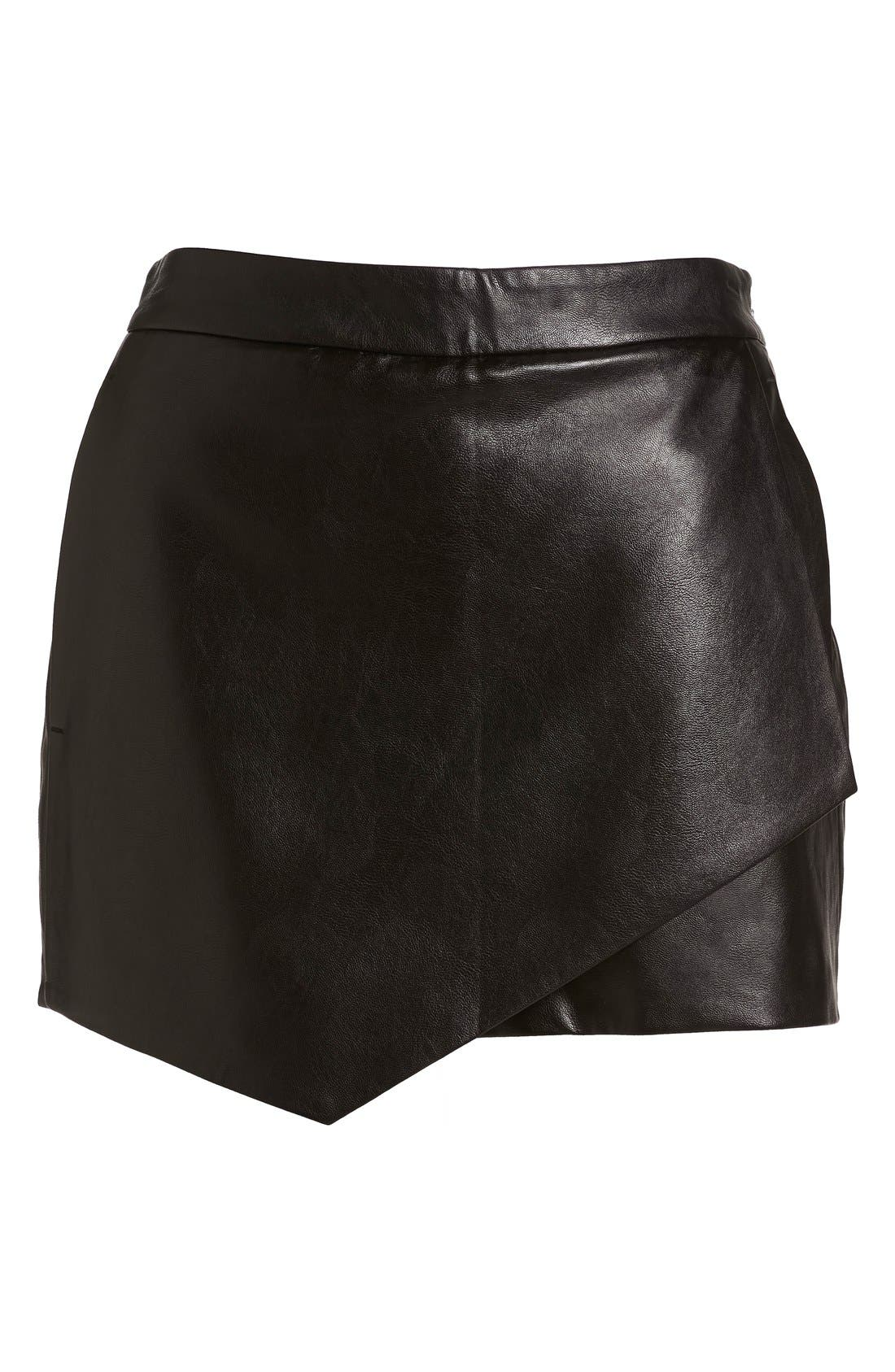 Main Image - izzue Faux Leather Mini Shorts (Women)