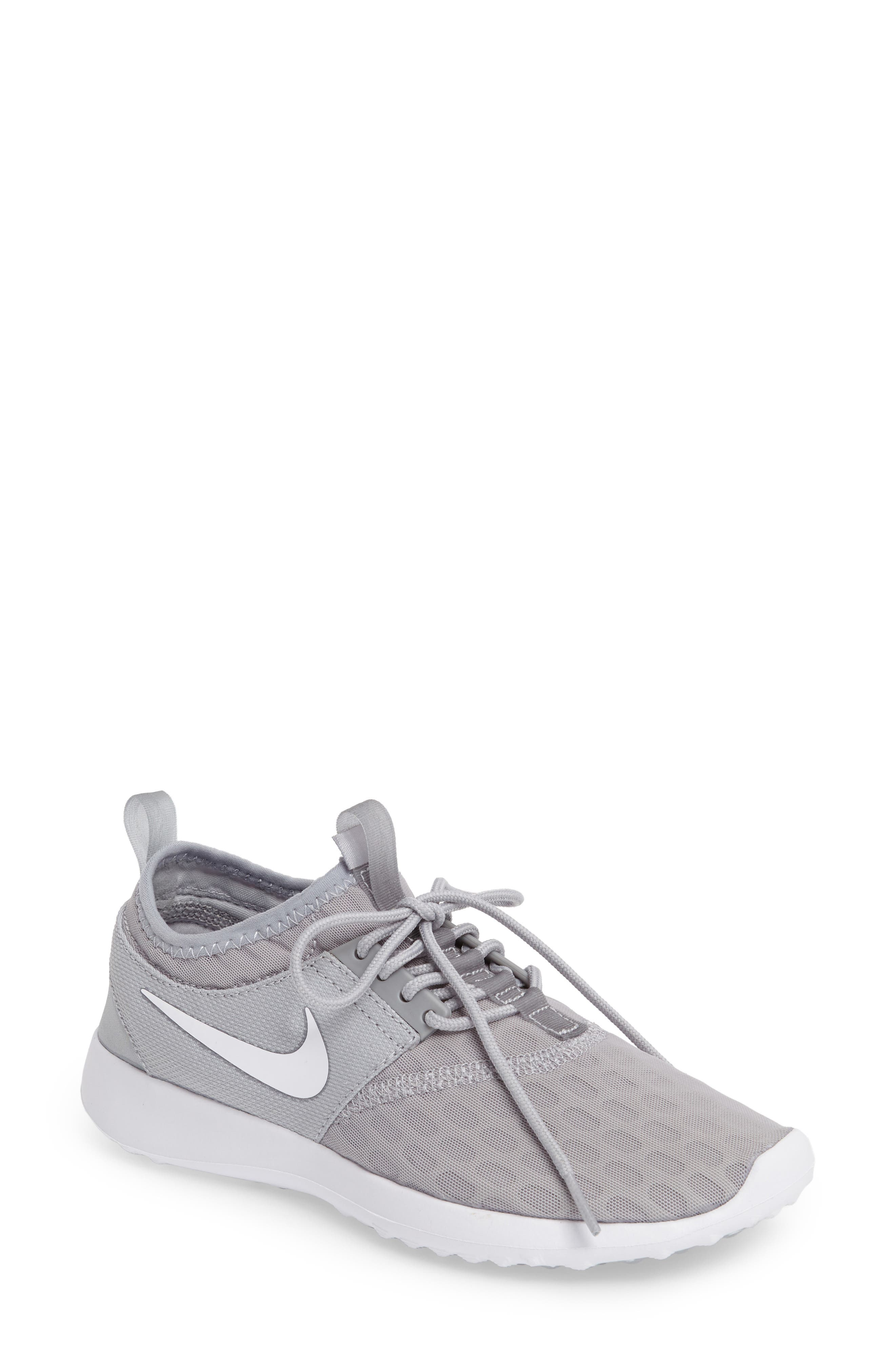 Nike Juvenate Sneaker (Women)