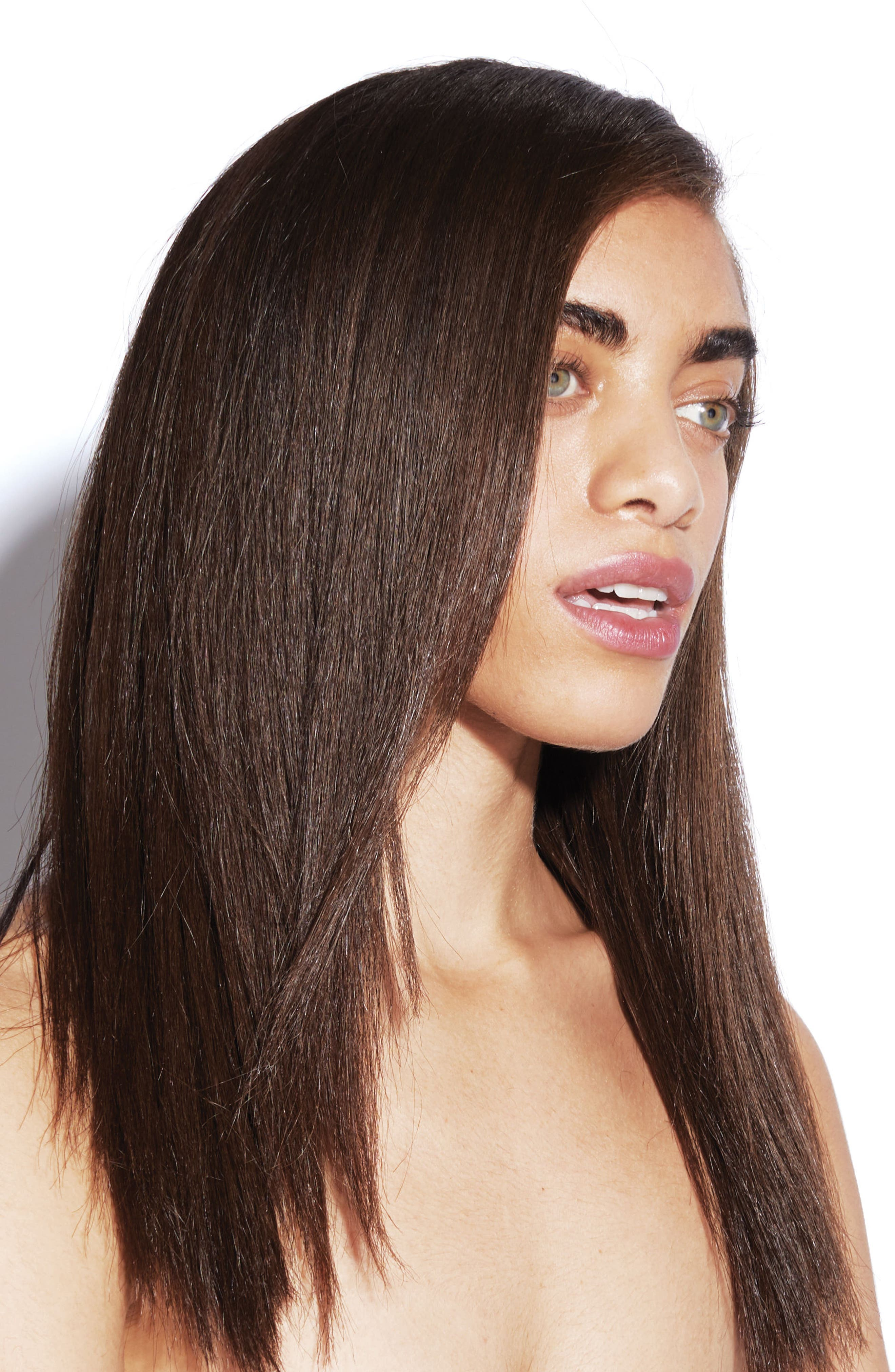 Bumble and bumble The Sleek Sophisticate Look