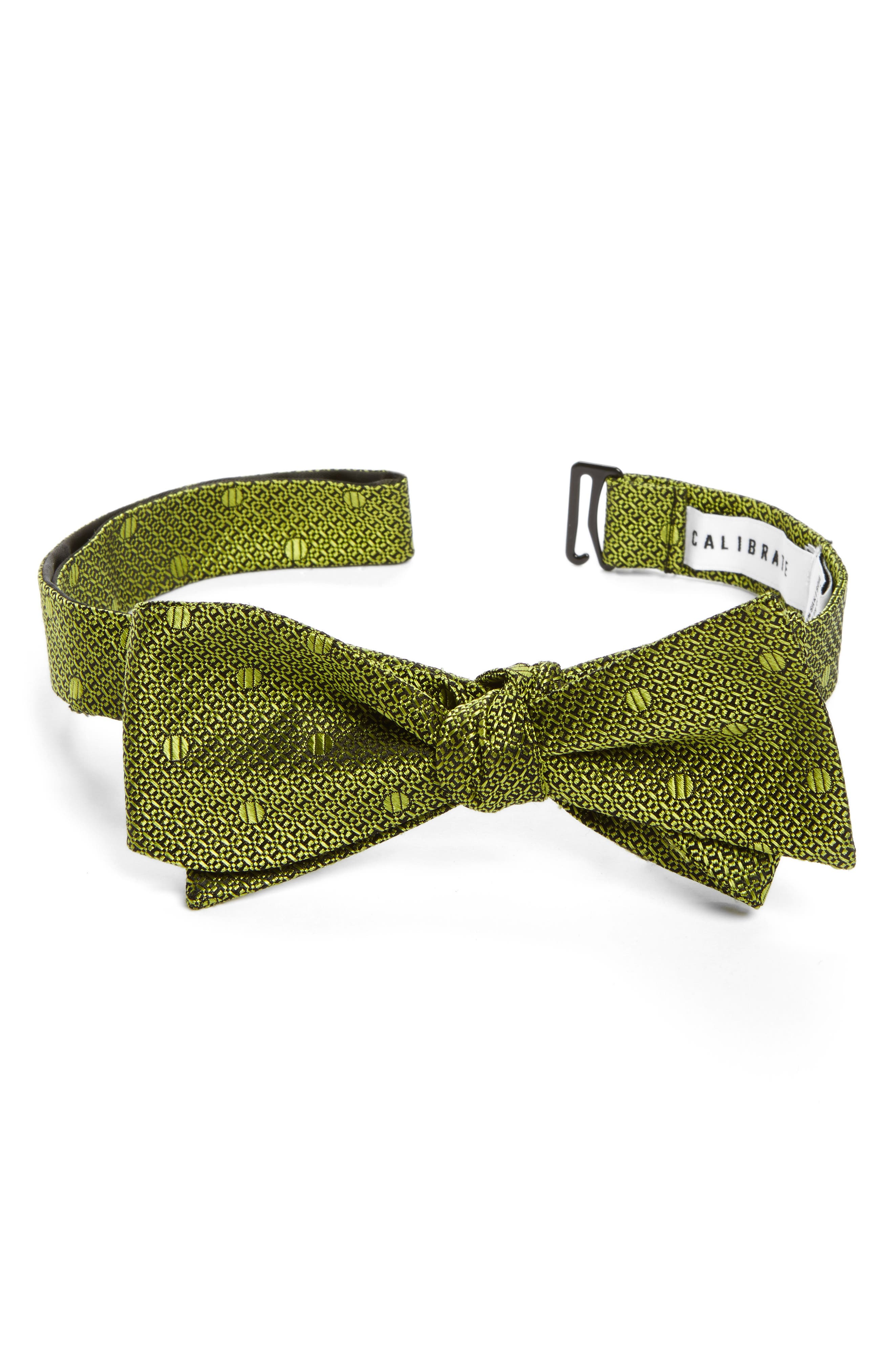 CALIBRATE Textured Dot Silk Bow Tie