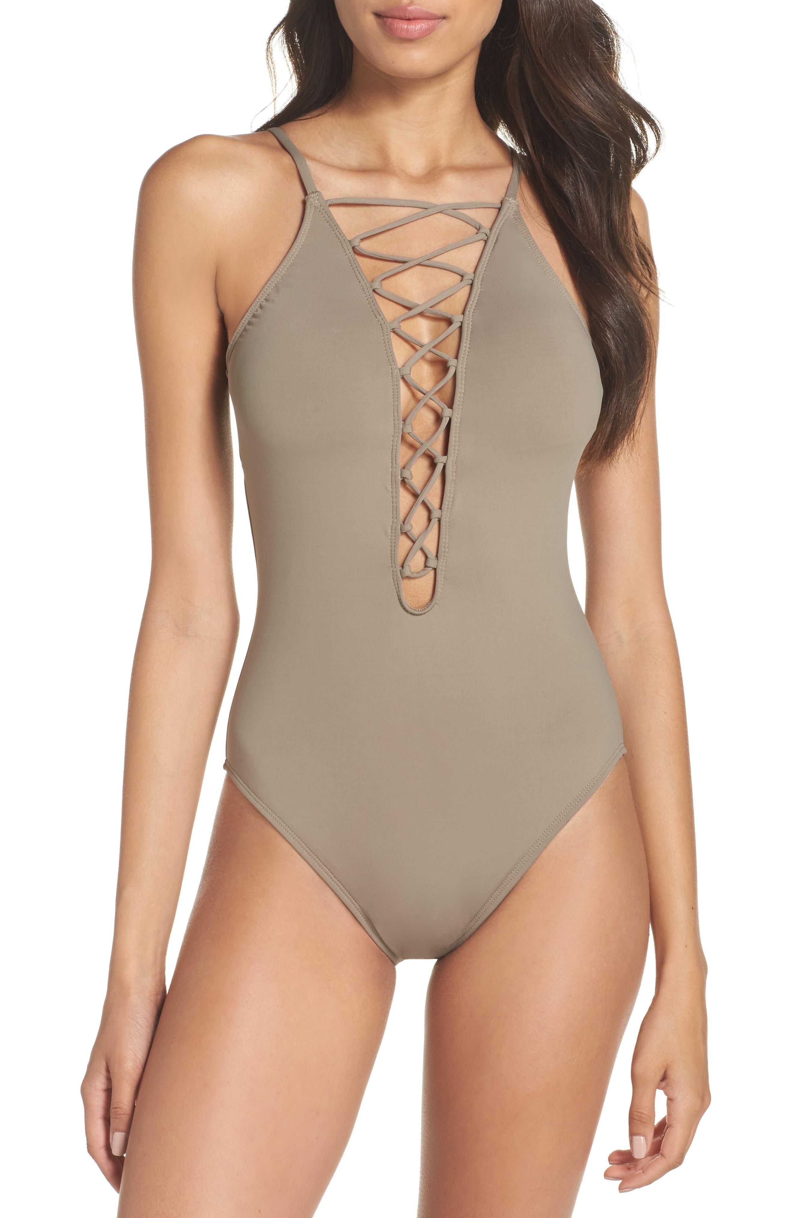 Main Image - La Blanca Island Goddess One-Piece Swimsuit