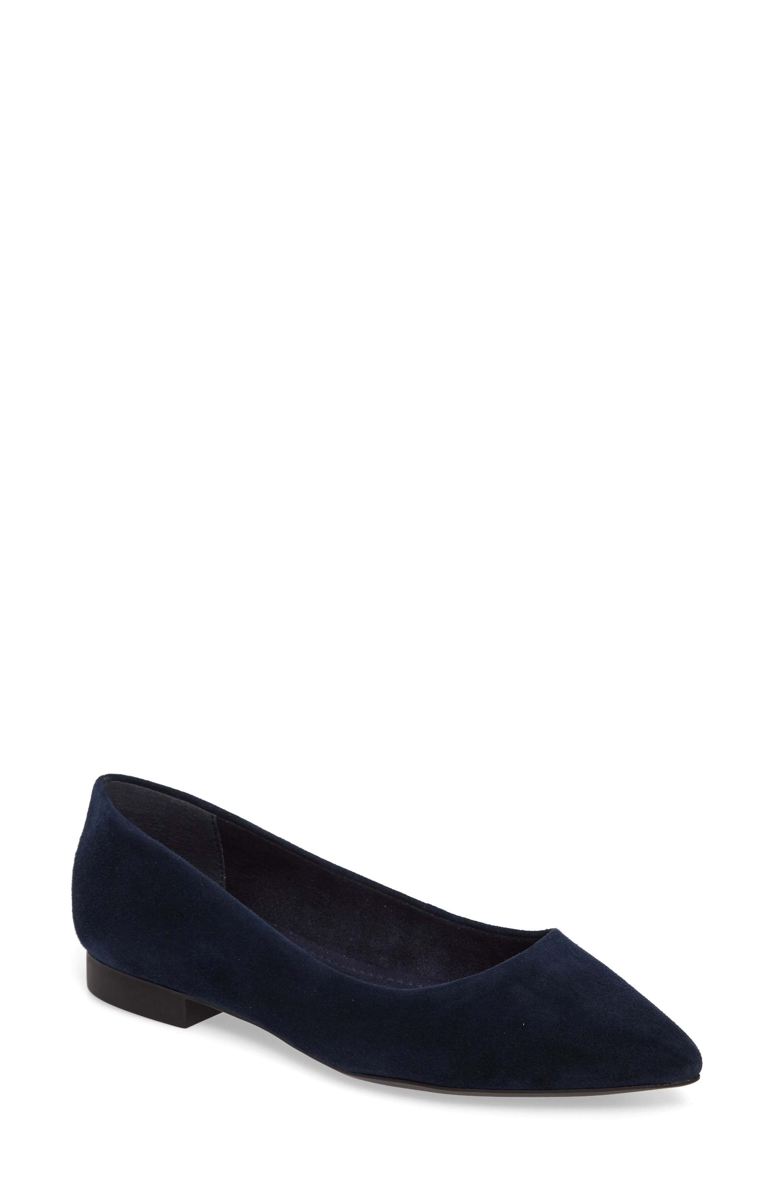 Bella Vita 'Vivien' Pointy Toe Flat (Women)