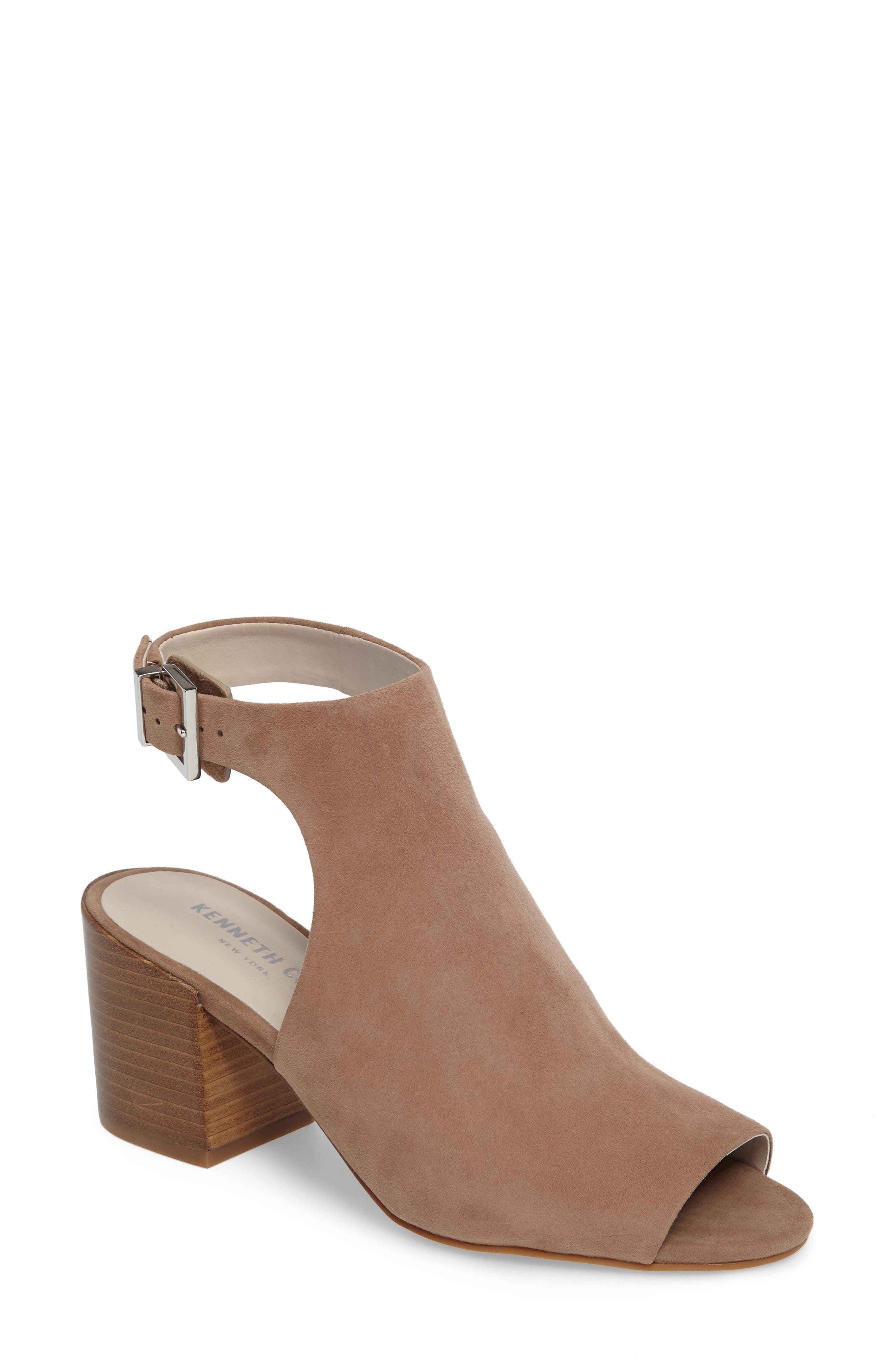 Alternate Image 1 Selected - Kenneth Cole New York 'Val' Sandal (Women)