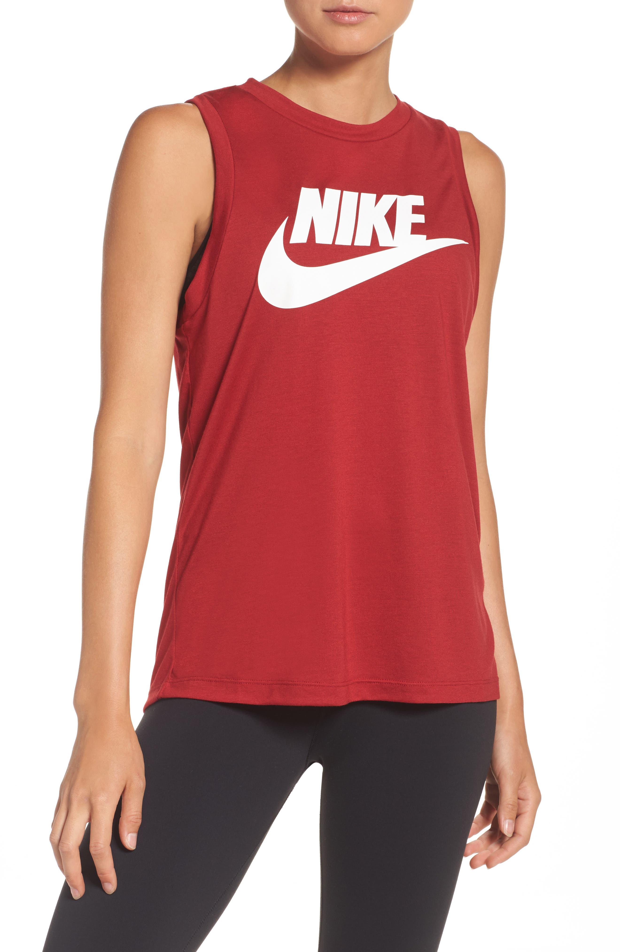 Nike Sportswear Essential Muscle Tank