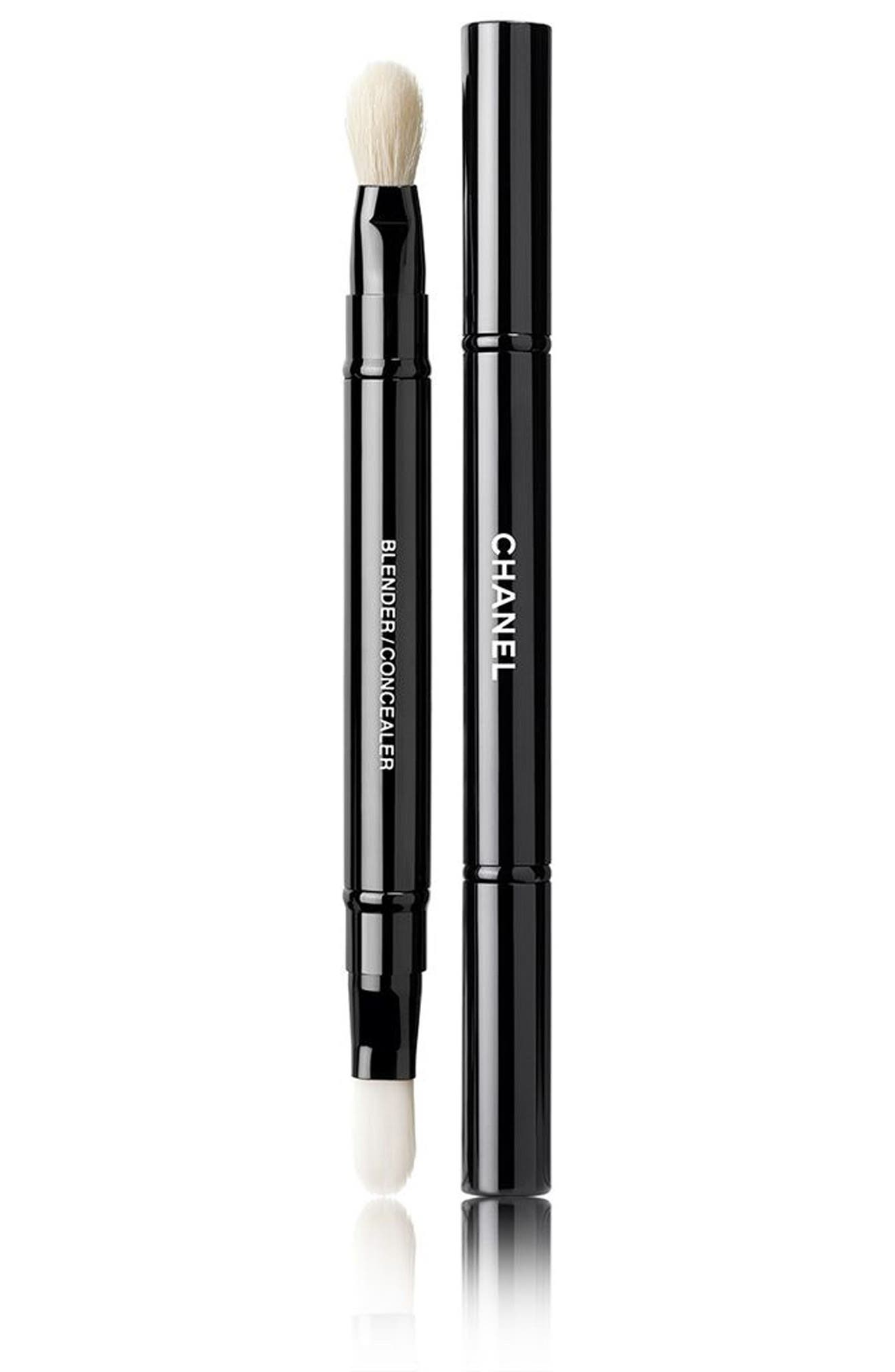 Alternate Image 1 Selected - CHANEL RETRACTABLE DUAL-TIP Concealer Brush