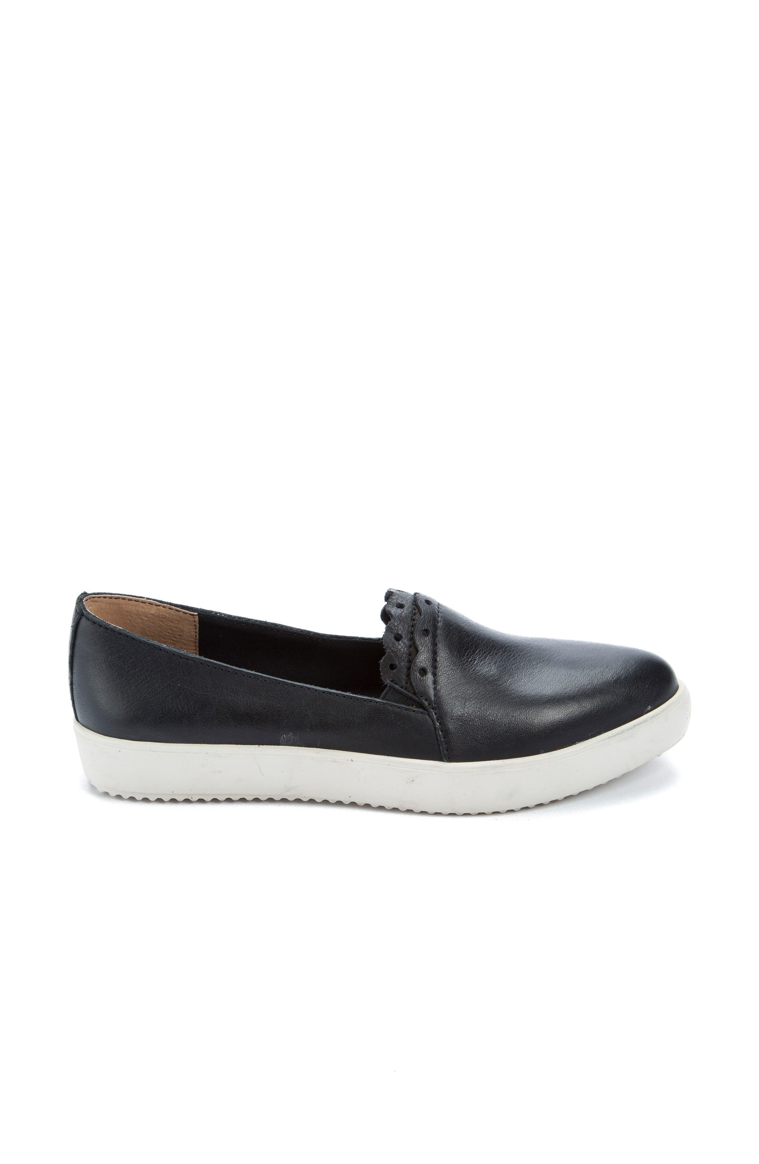 Roe Slip-On Sneaker,                             Alternate thumbnail 3, color,                             Black
