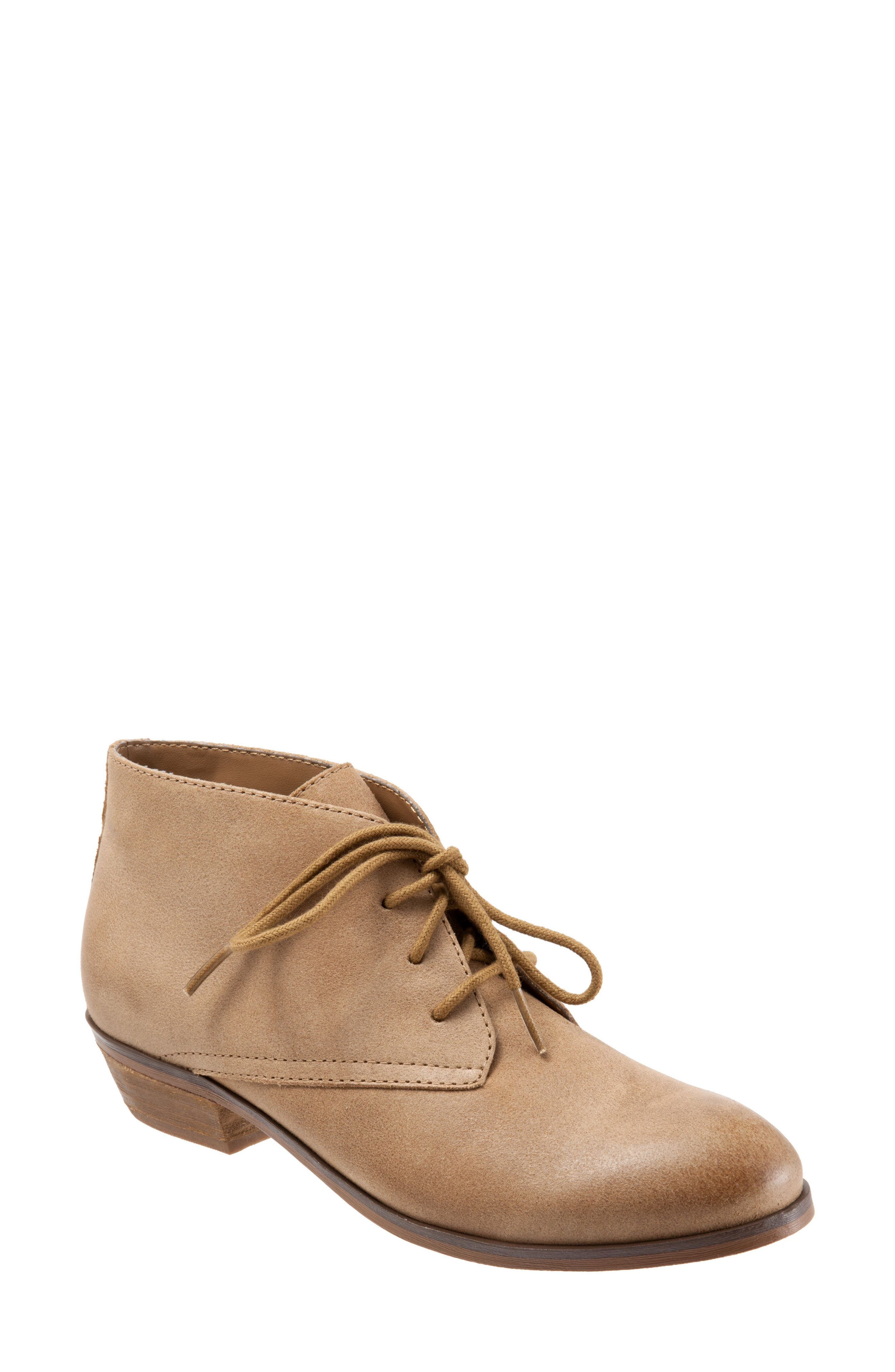 SoftWalk® 'Ramsey' Chukka Boot (Women)