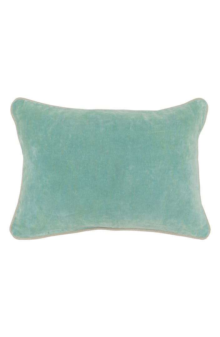 Villa home collection heirloom velvet accent pillow for Villa home collection pillows