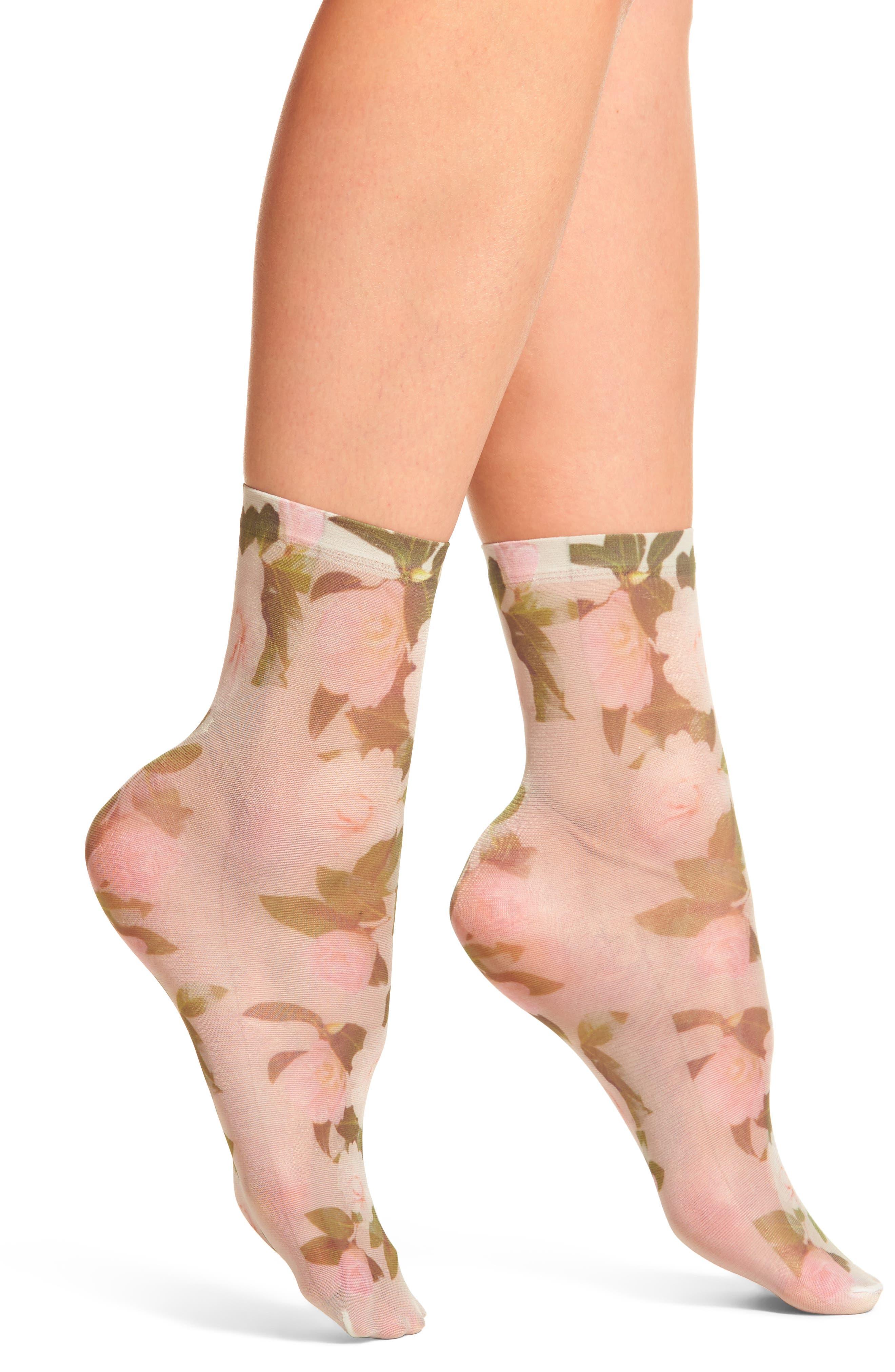Alternate Image 1 Selected - Sarah Borghi Damiana Ankle Socks