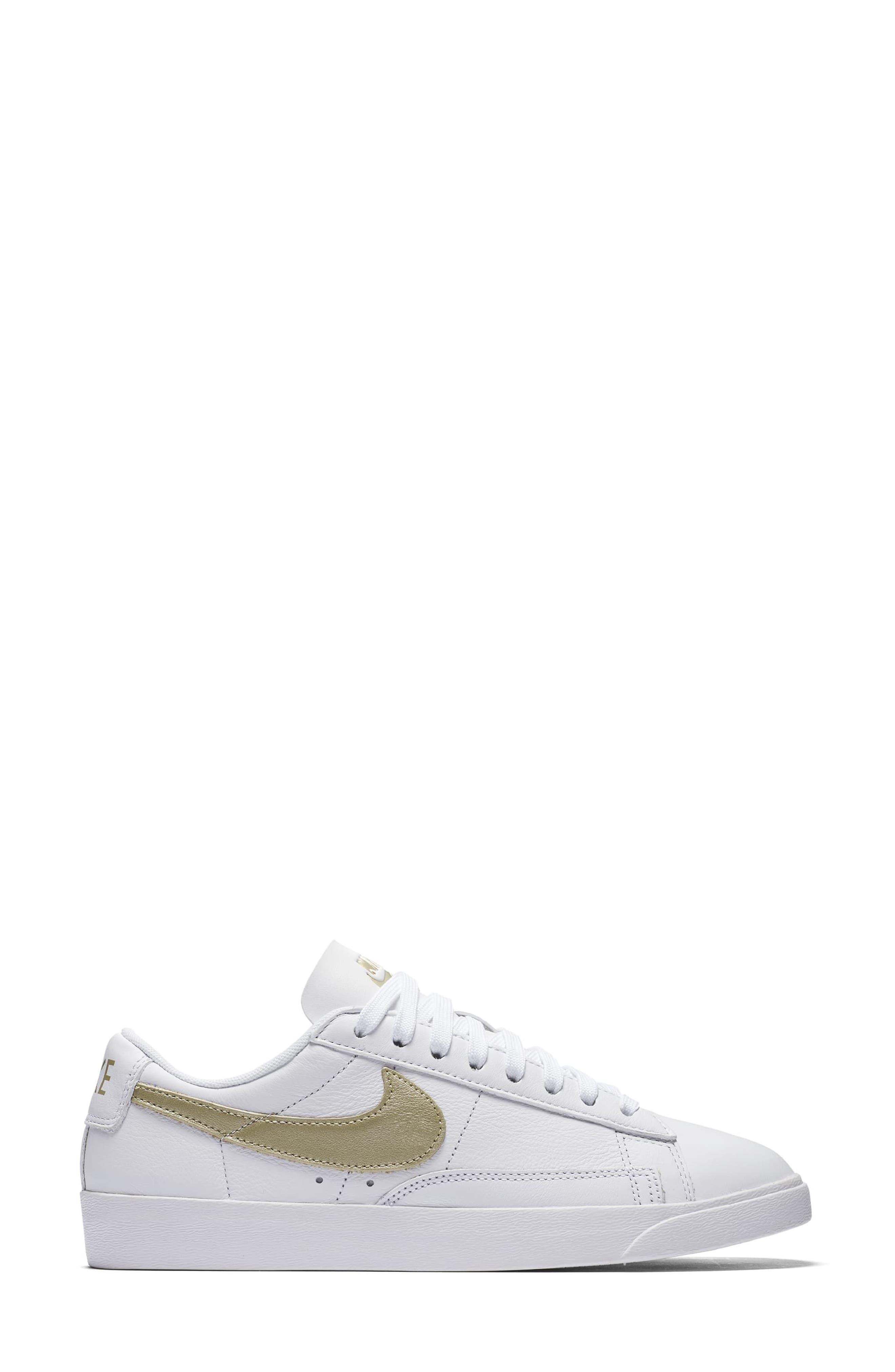 Alternate Image 2  - Nike Blazer Low LE Basketball Shoe (Women)