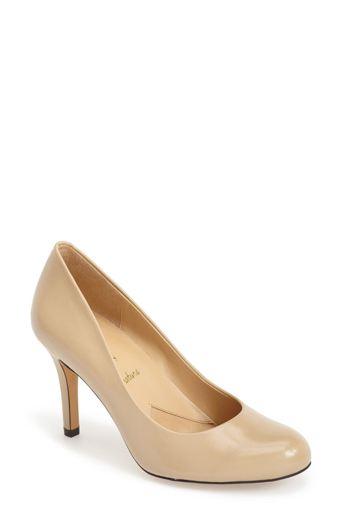Trotters 'Signature Gigi' Round Toe Pump (Women)
