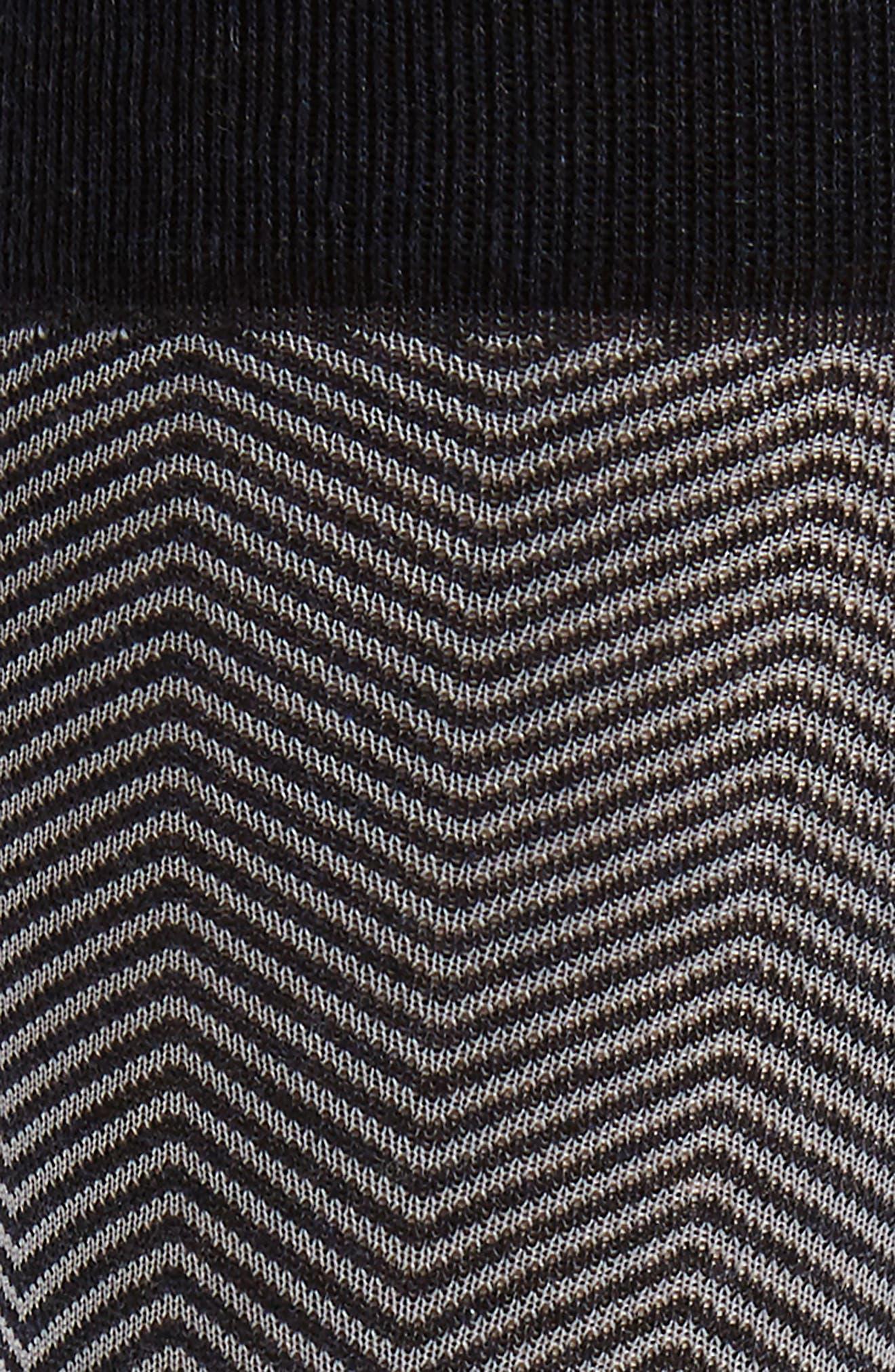 Alternate Image 2  - Nordstrom Men's Shop Chevron Socks