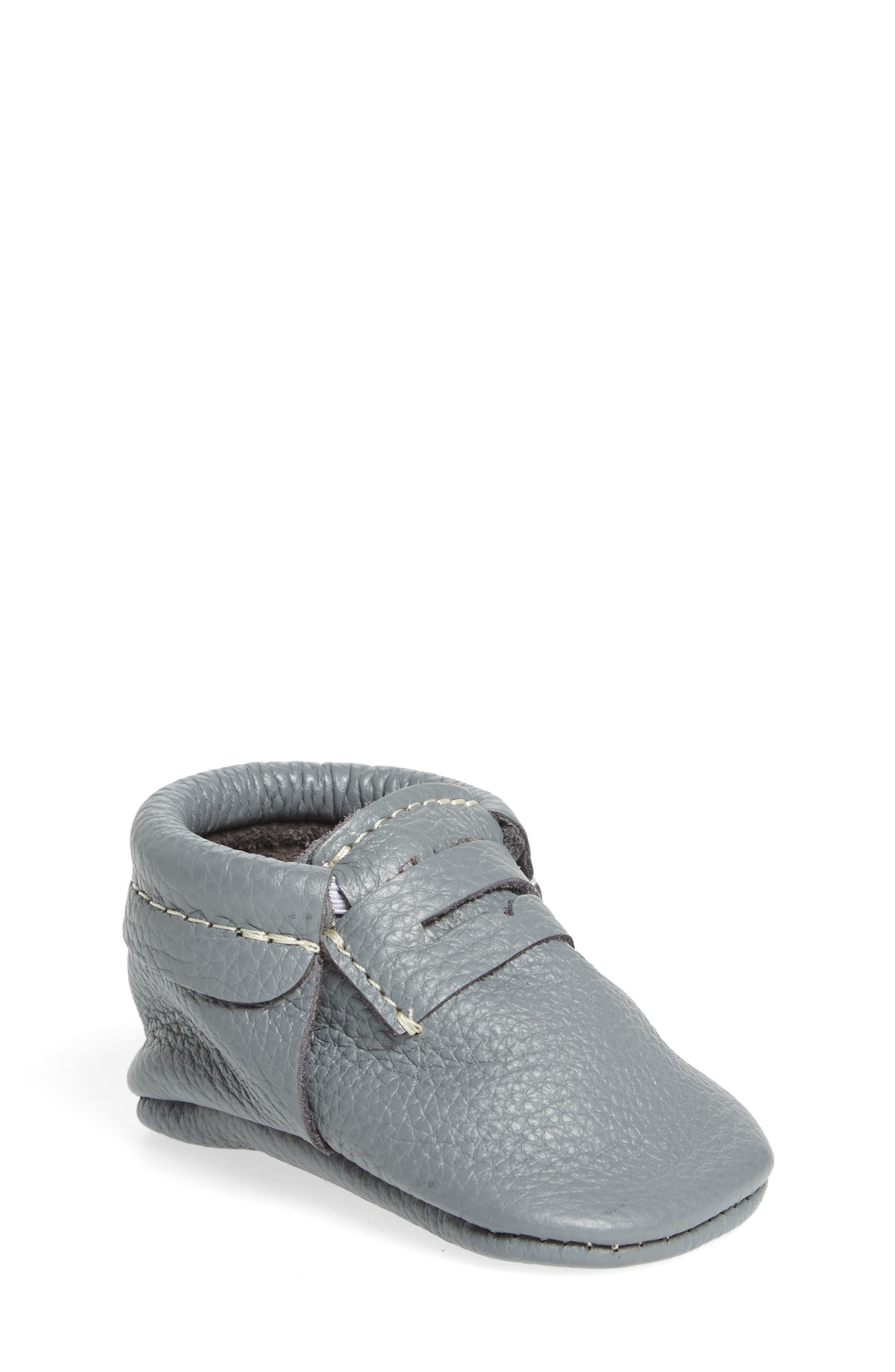 Freshly Picked Penny Loafer Crib Shoe (Baby & Walker)