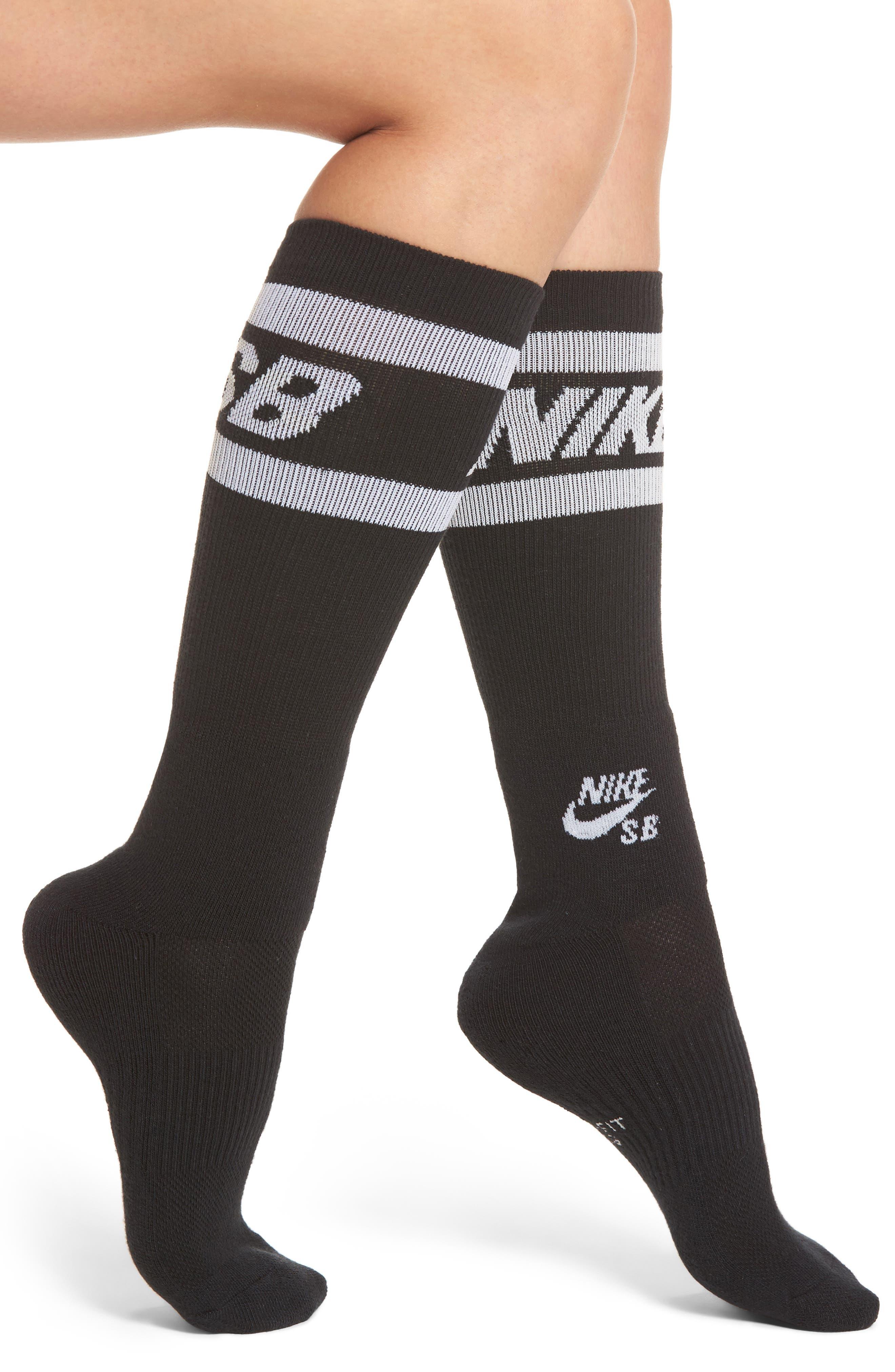 Main Image - Nike Skateboard Crew Socks