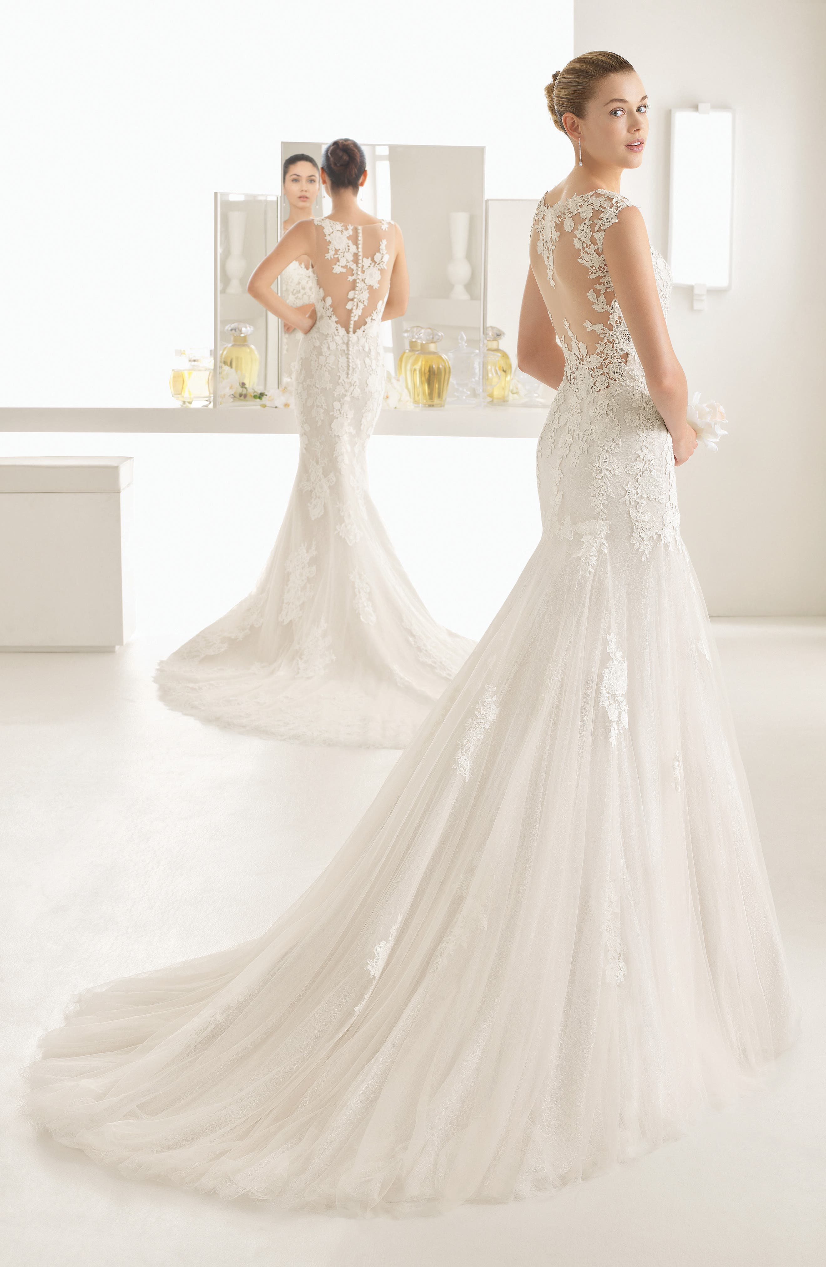 Oblicuo Guipure Lace Mermaid Gown,                             Alternate thumbnail 2, color,                             Natural