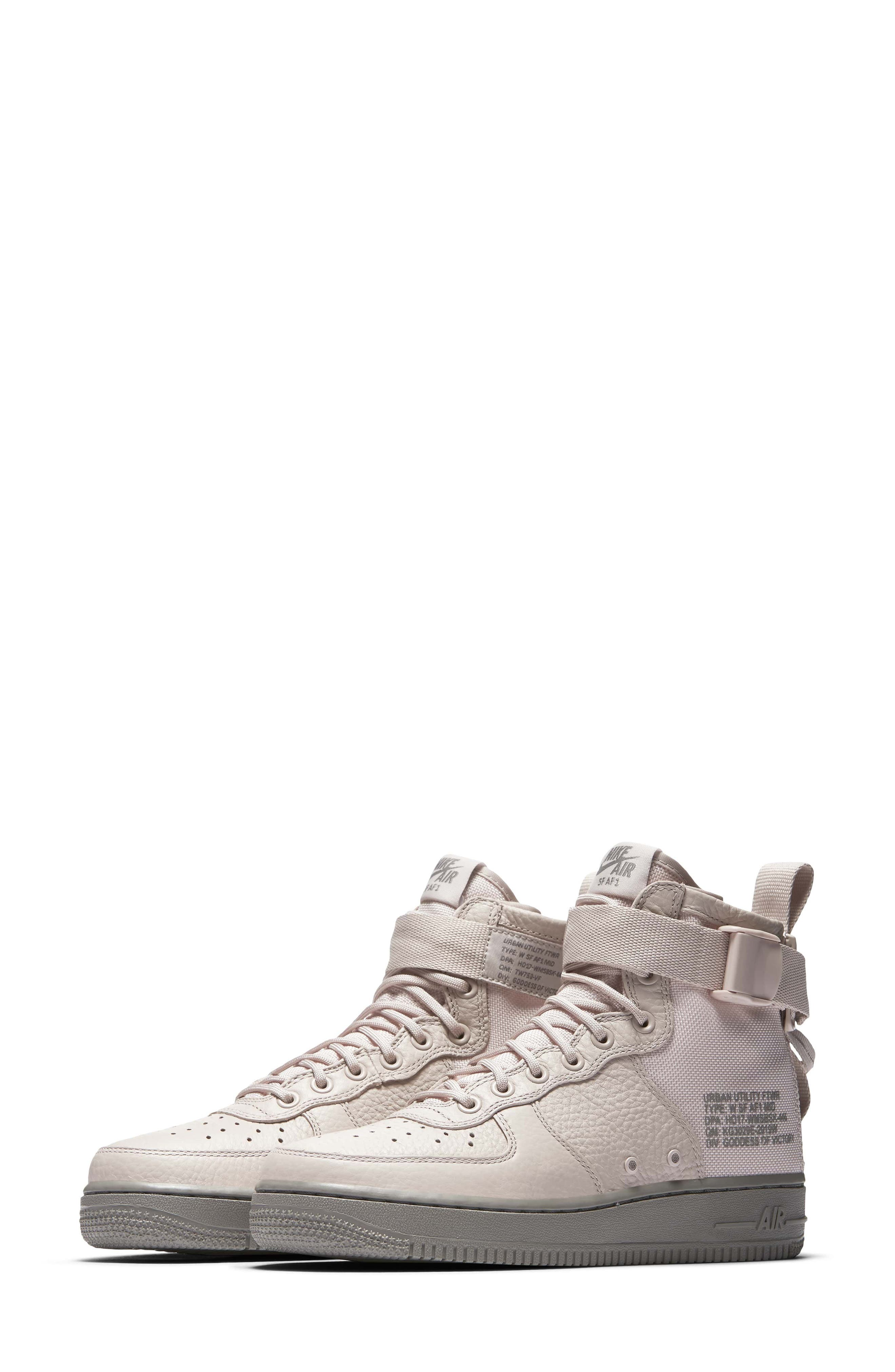 Nike SF Air Force 1 Mid Sneaker (Women)