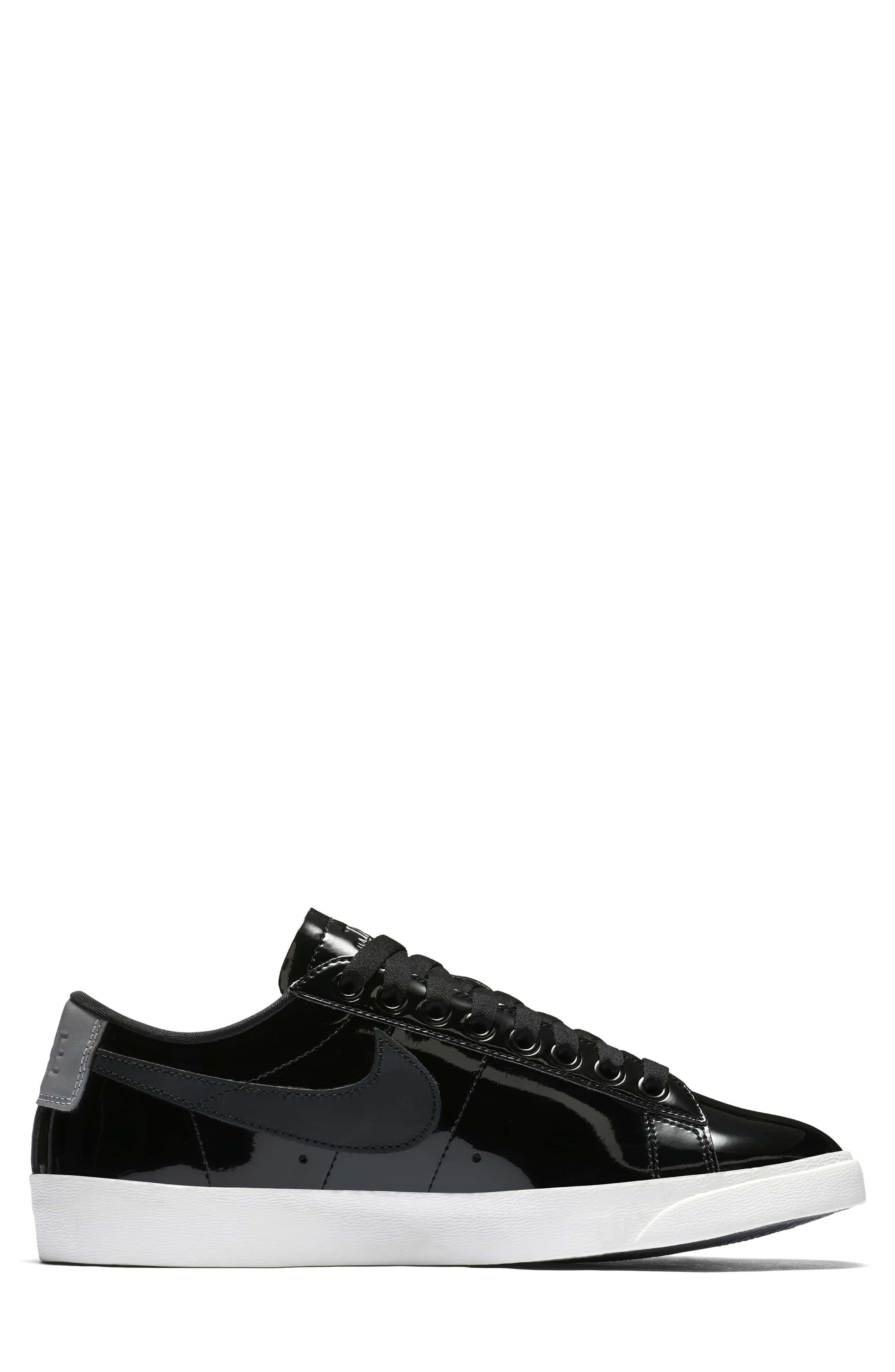 Blazer Low Top Sneaker SE,                             Alternate thumbnail 5, color,                             Black/ Black Reflect Silver