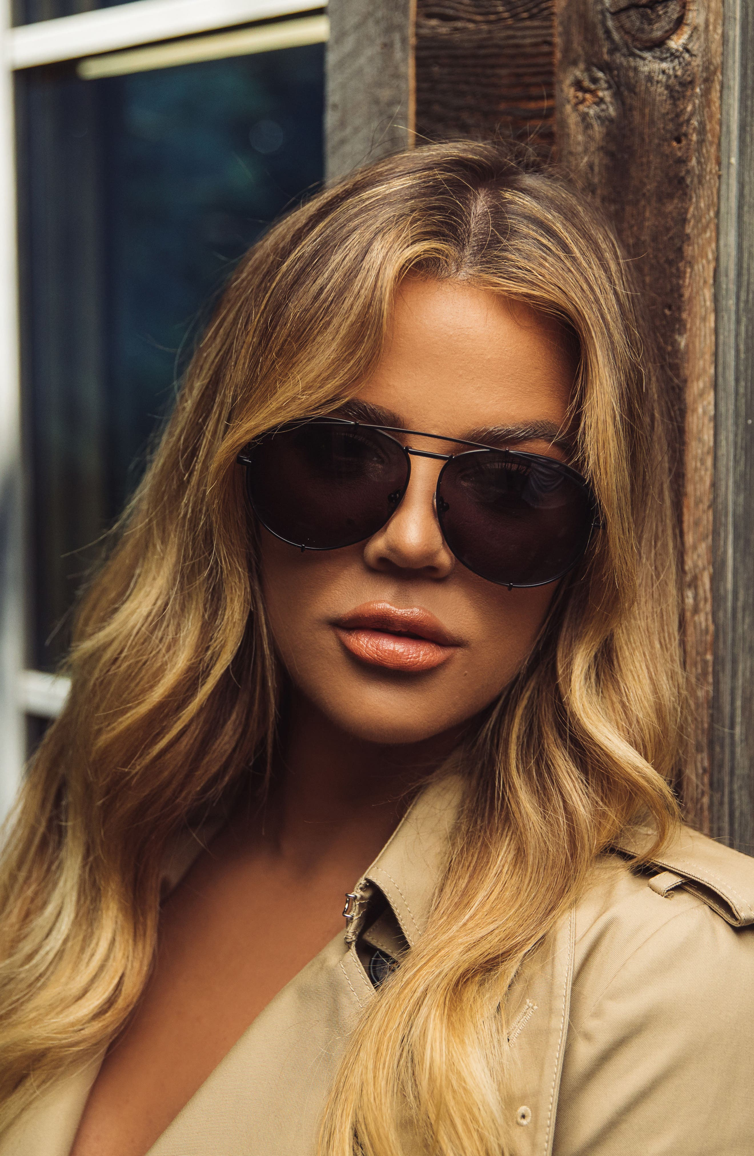 x Khloé Koko 63mm Oversize Aviator Sunglasses,                             Alternate thumbnail 3, color,                             Matte Black/ Grey