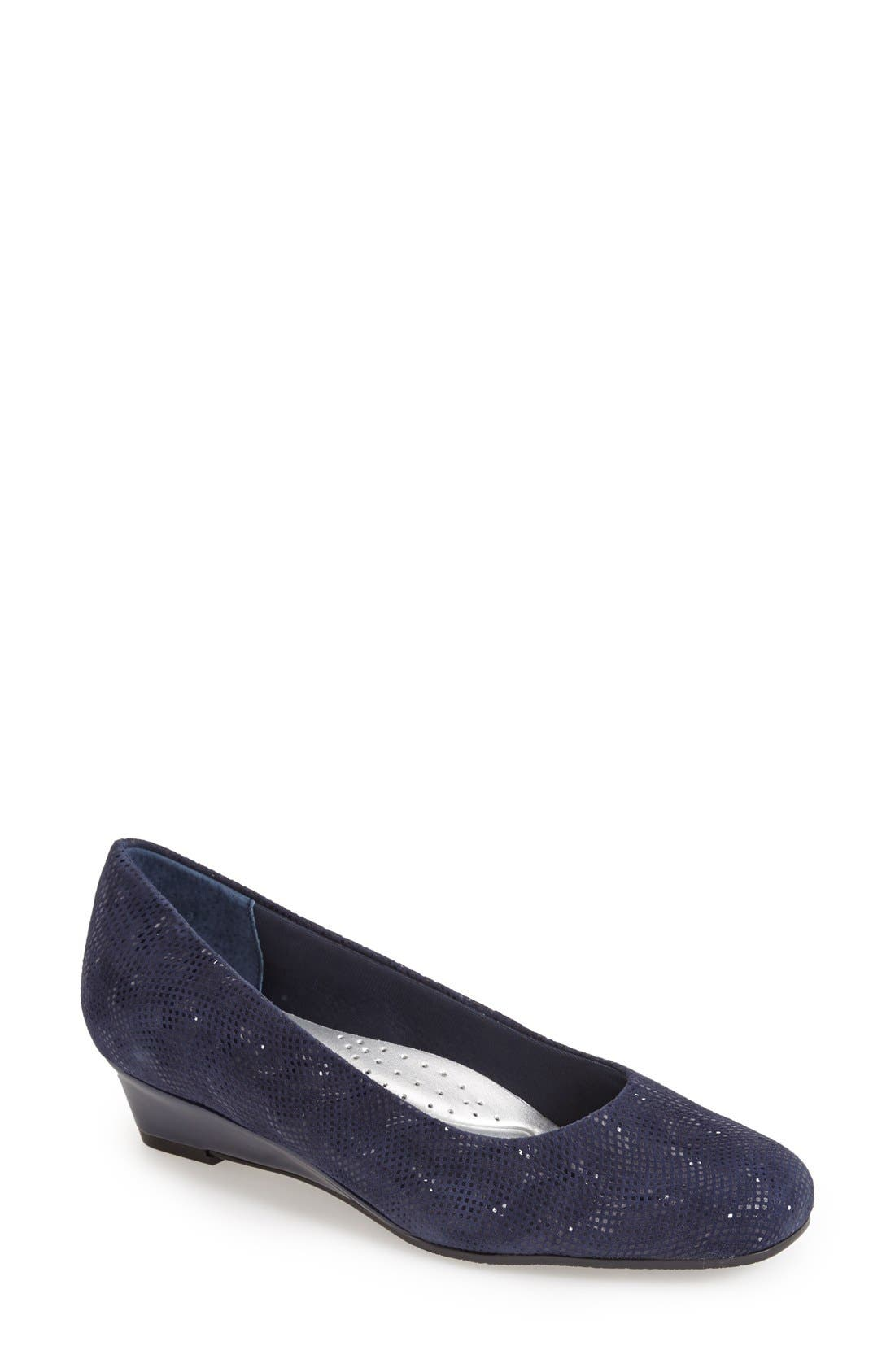 'Lauren' Pump,                             Main thumbnail 1, color,                             Navy 3D
