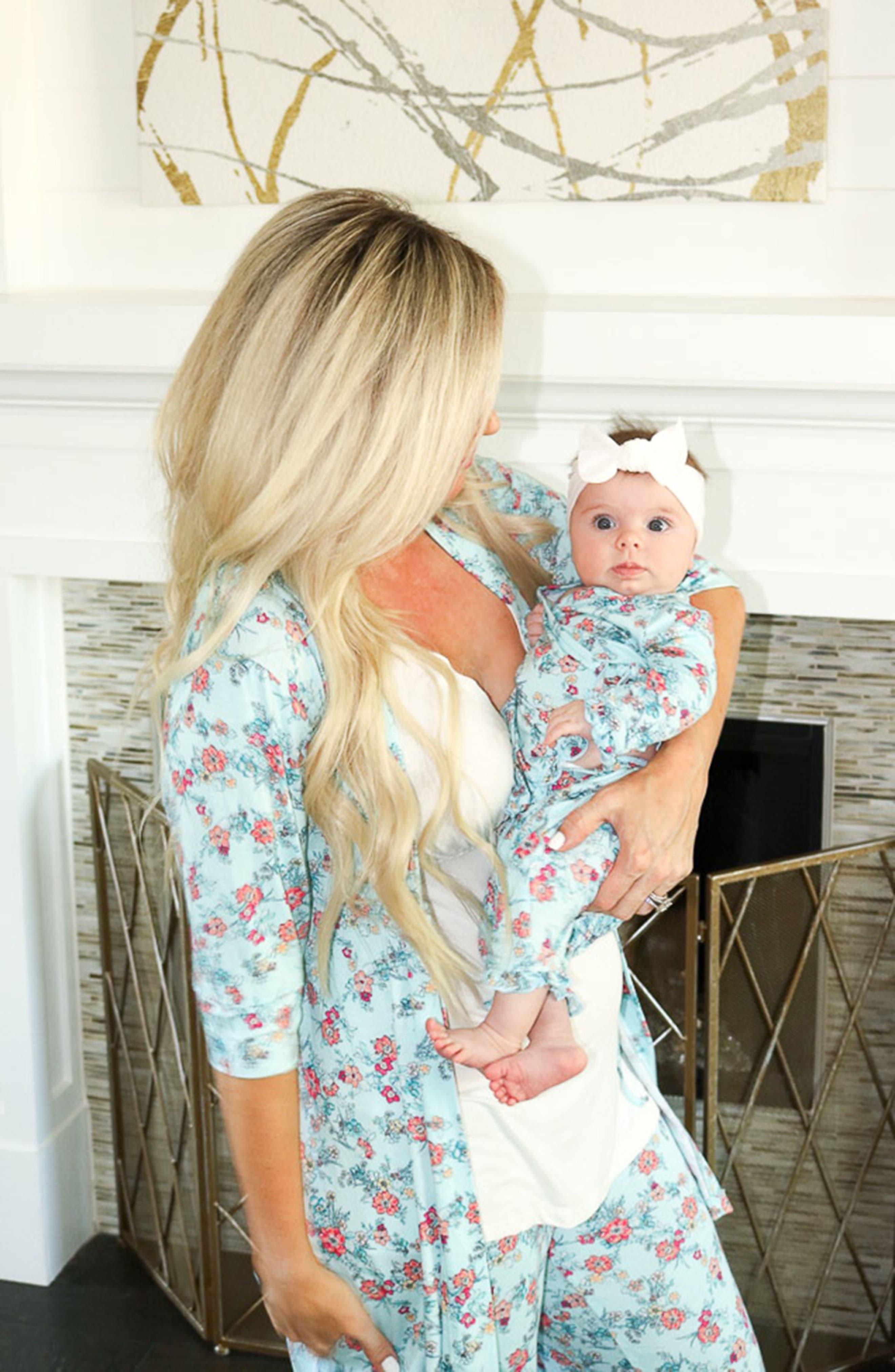 Alternate Image 6  - Baby Grey Ruffle Kimono Top, Pants, Hat & Blanket Set (Baby Girls)