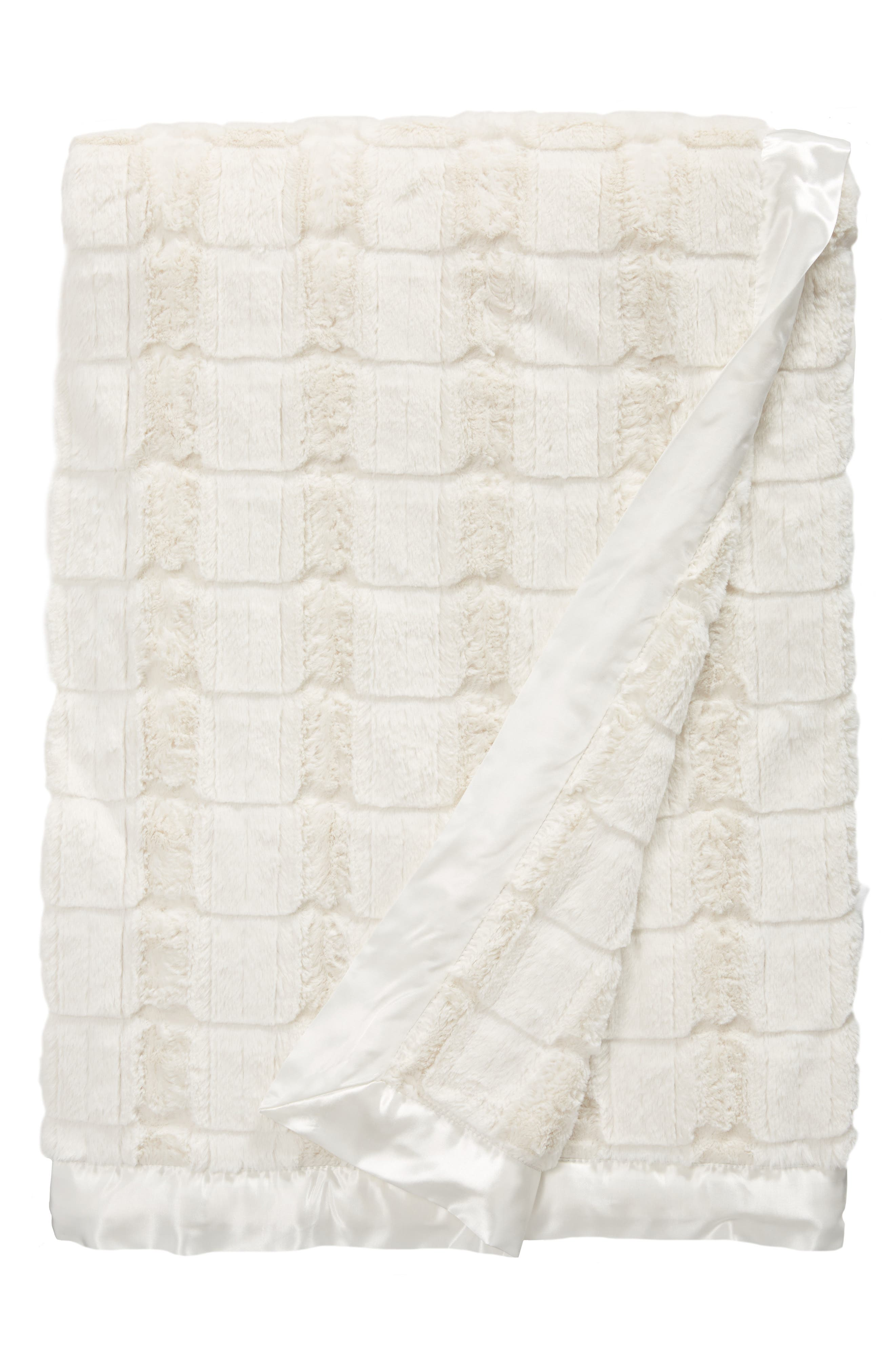 Main Image - Giraffe at Home Luxe Waterfall Throw Blanket
