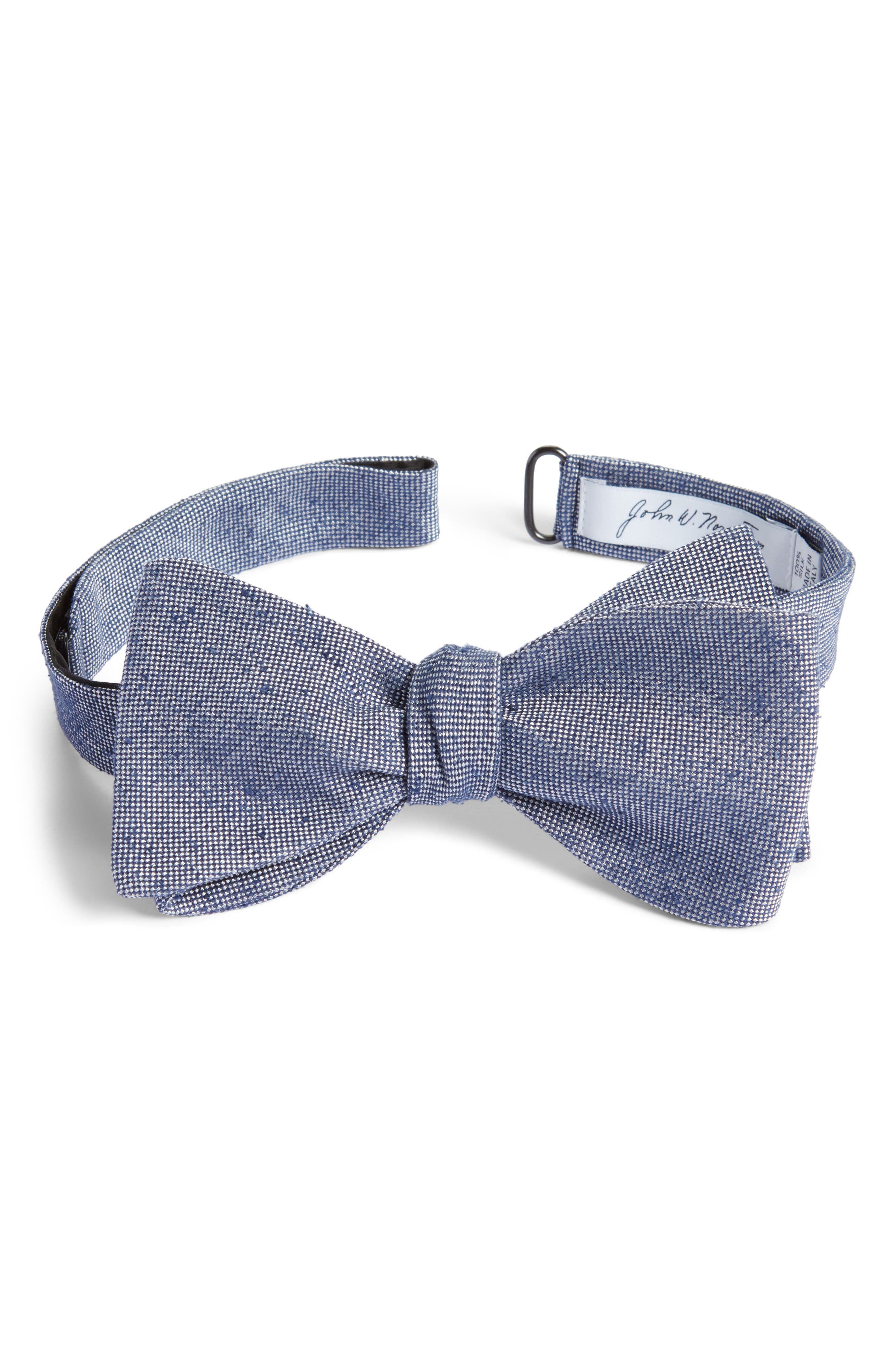 Solid Silk Bow Tie,                             Main thumbnail 1, color,                             Navy